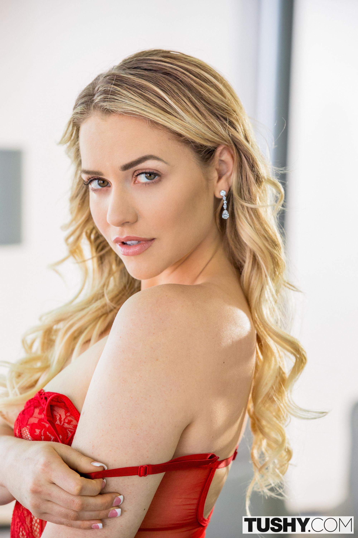 Pornstar Mia Malkova