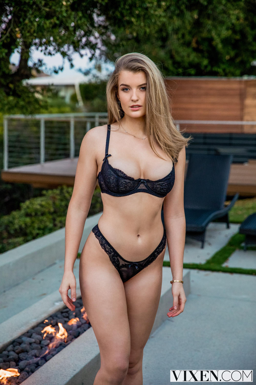 Wallpaper  Mia Melano, Blonde, Pornstar, Big Boobs, Huge -2053