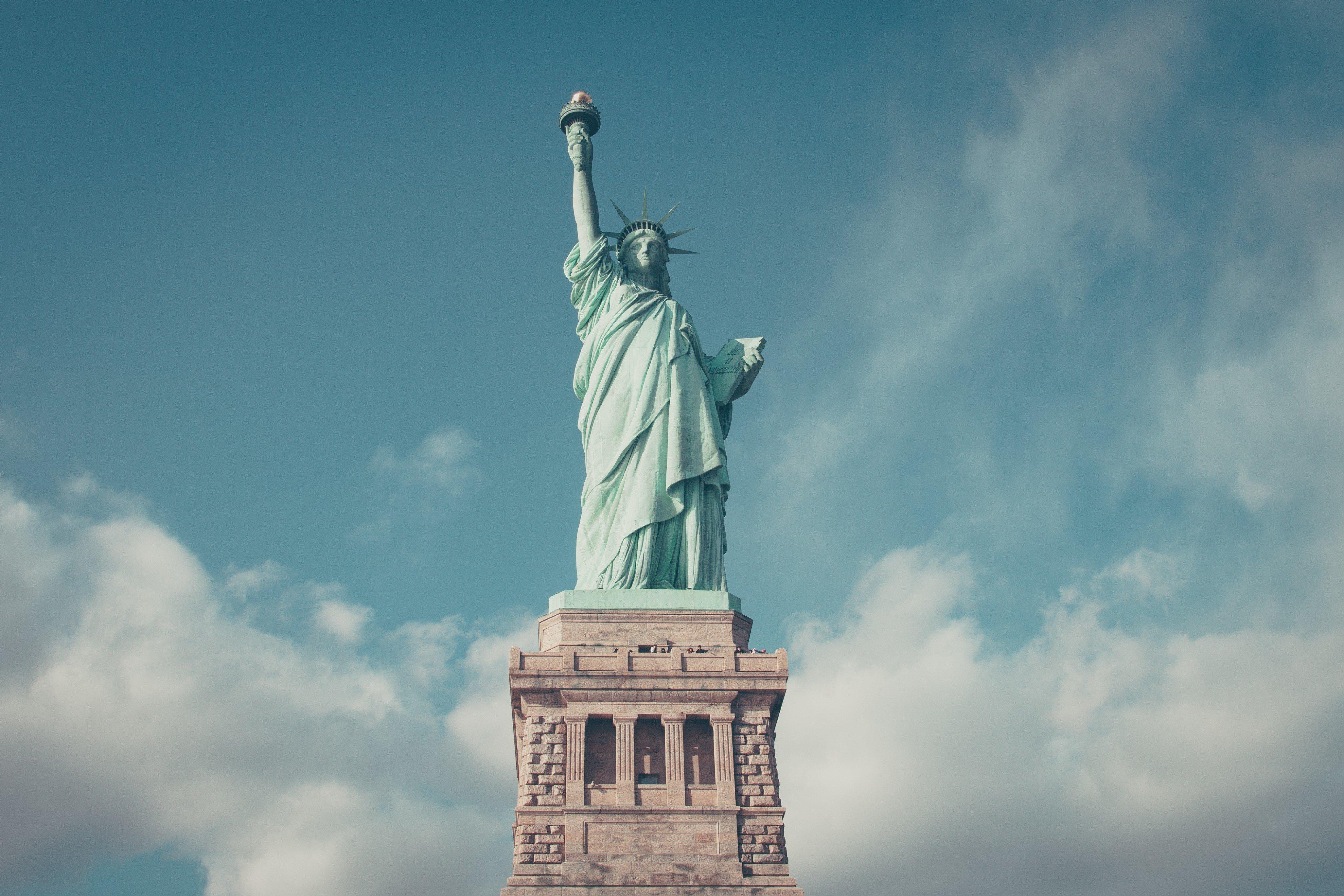 еще знаете, картинки американские памятники умолку
