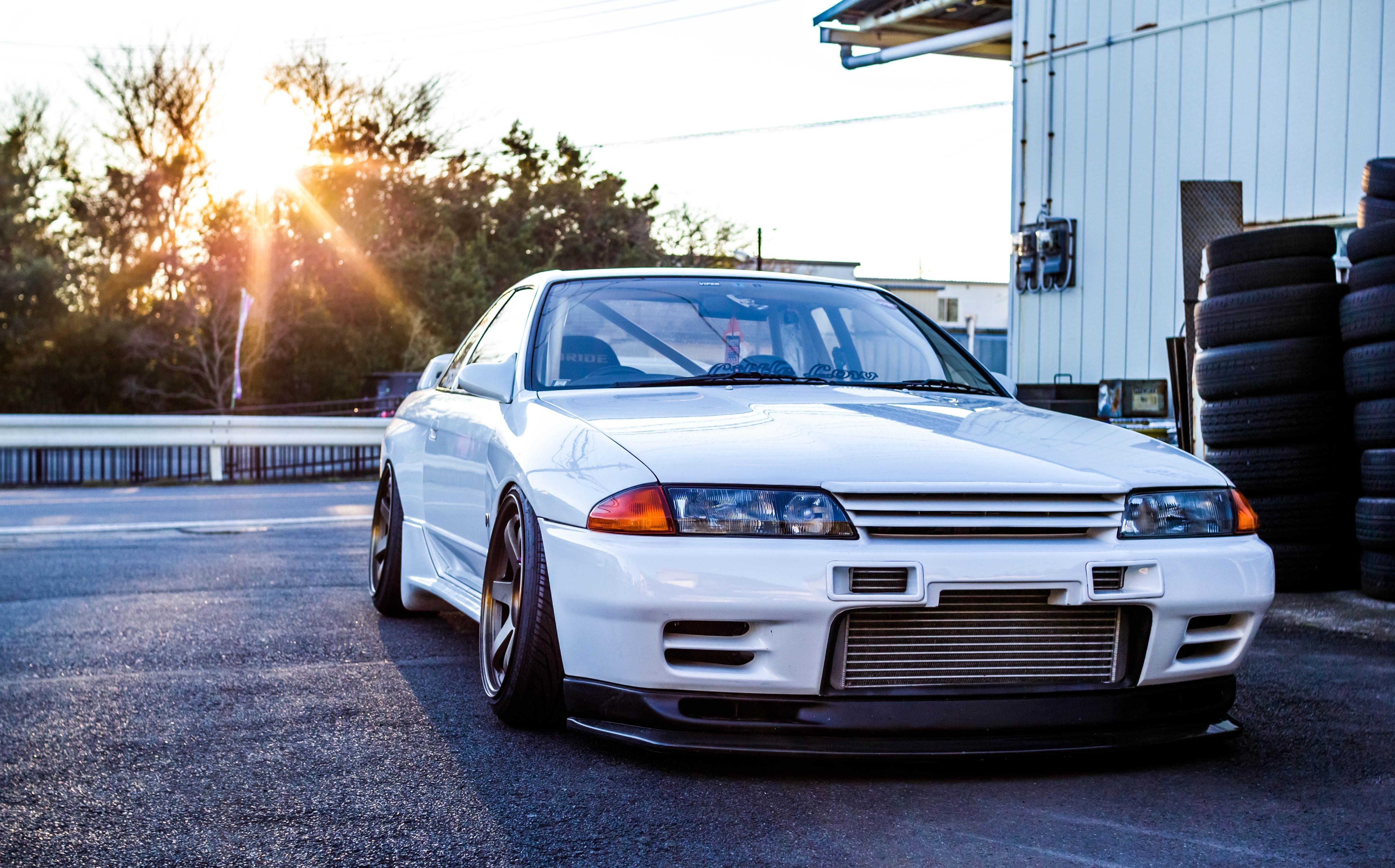 Nissan GTR R32 Skyline White Front View