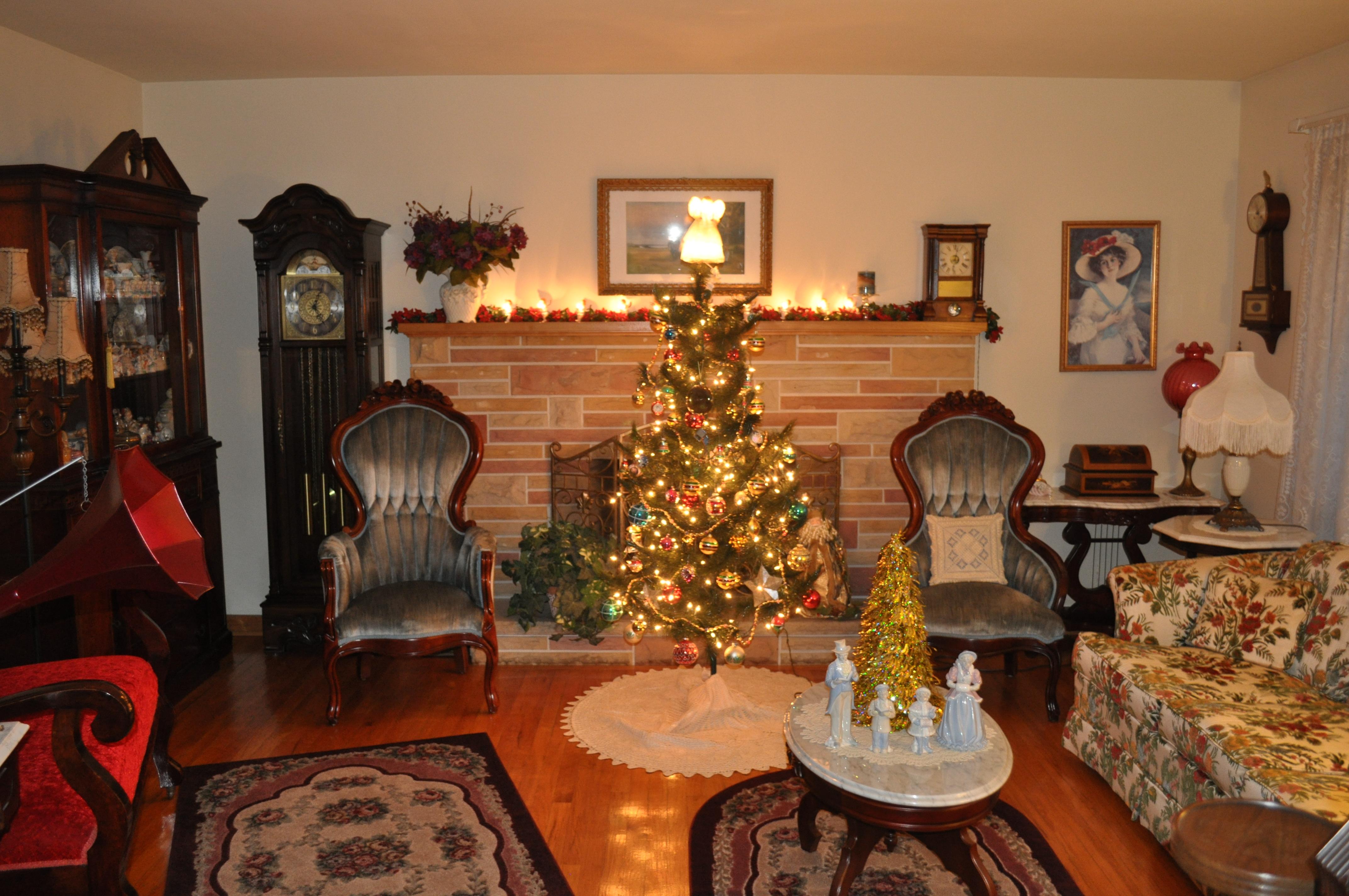 Immagini Vittoriane Natalizie.Sfondi Ohio Orologio Casa Bellezza Camino Albero Di