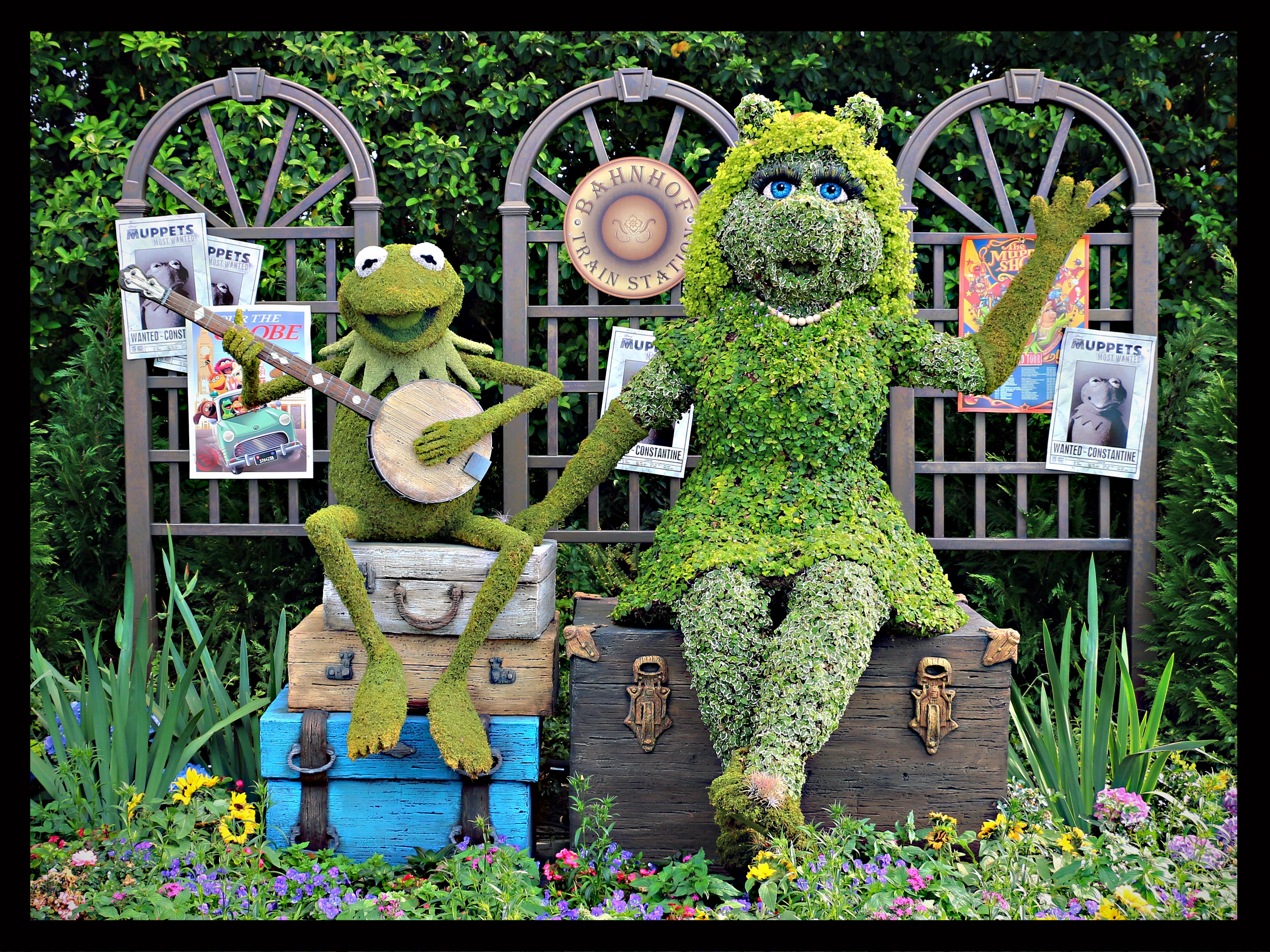 Wallpaper : Orlando, Epcot, topiary, Florida, muppets