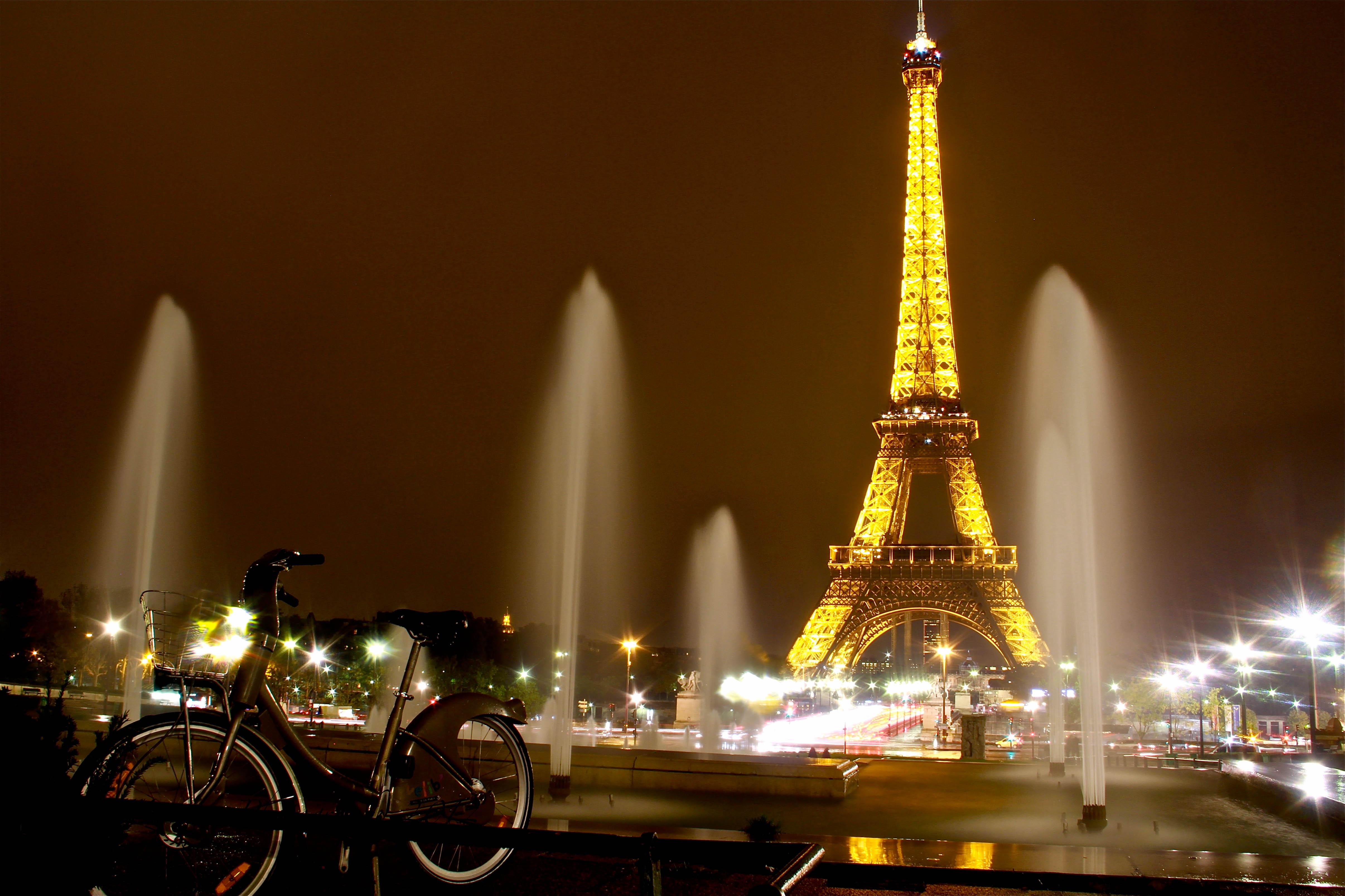 удалось картинки ночного парижа эйфелева башня или