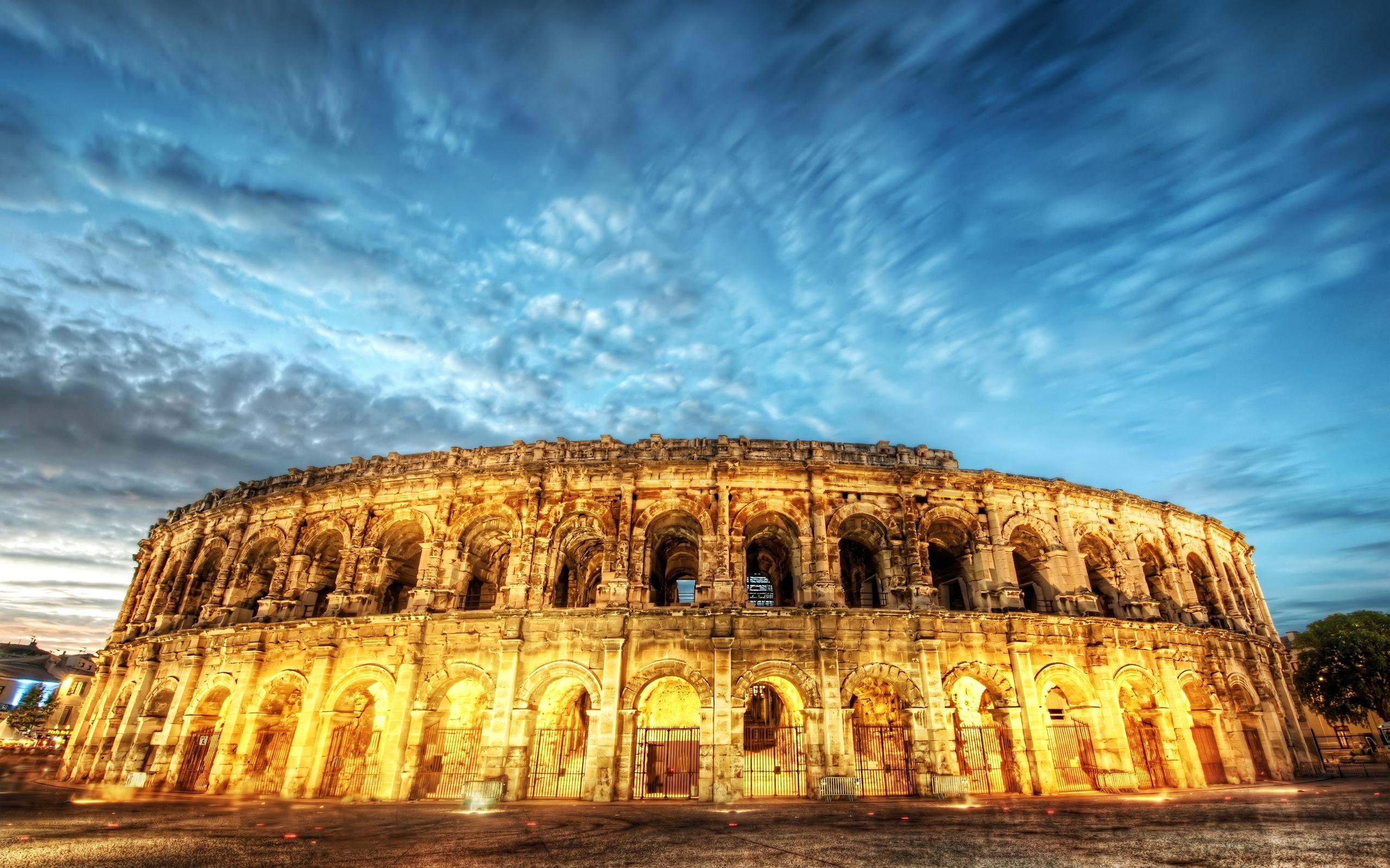 Best Wallpaper Night Colosseum - Rome-Italy-Colosseum-light-night-HDR-750808  Image.jpg