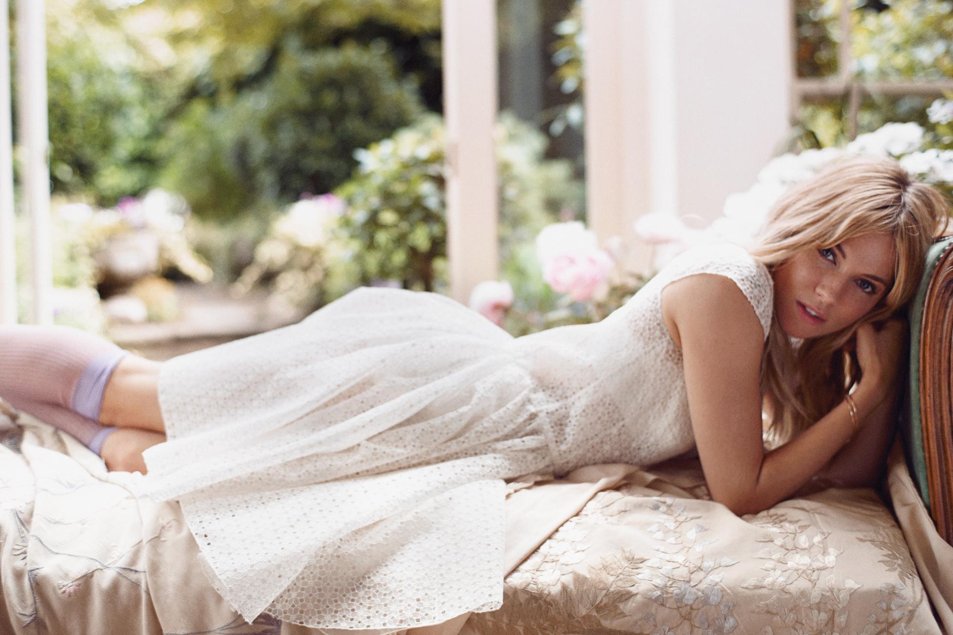 Две блондинки постель #15