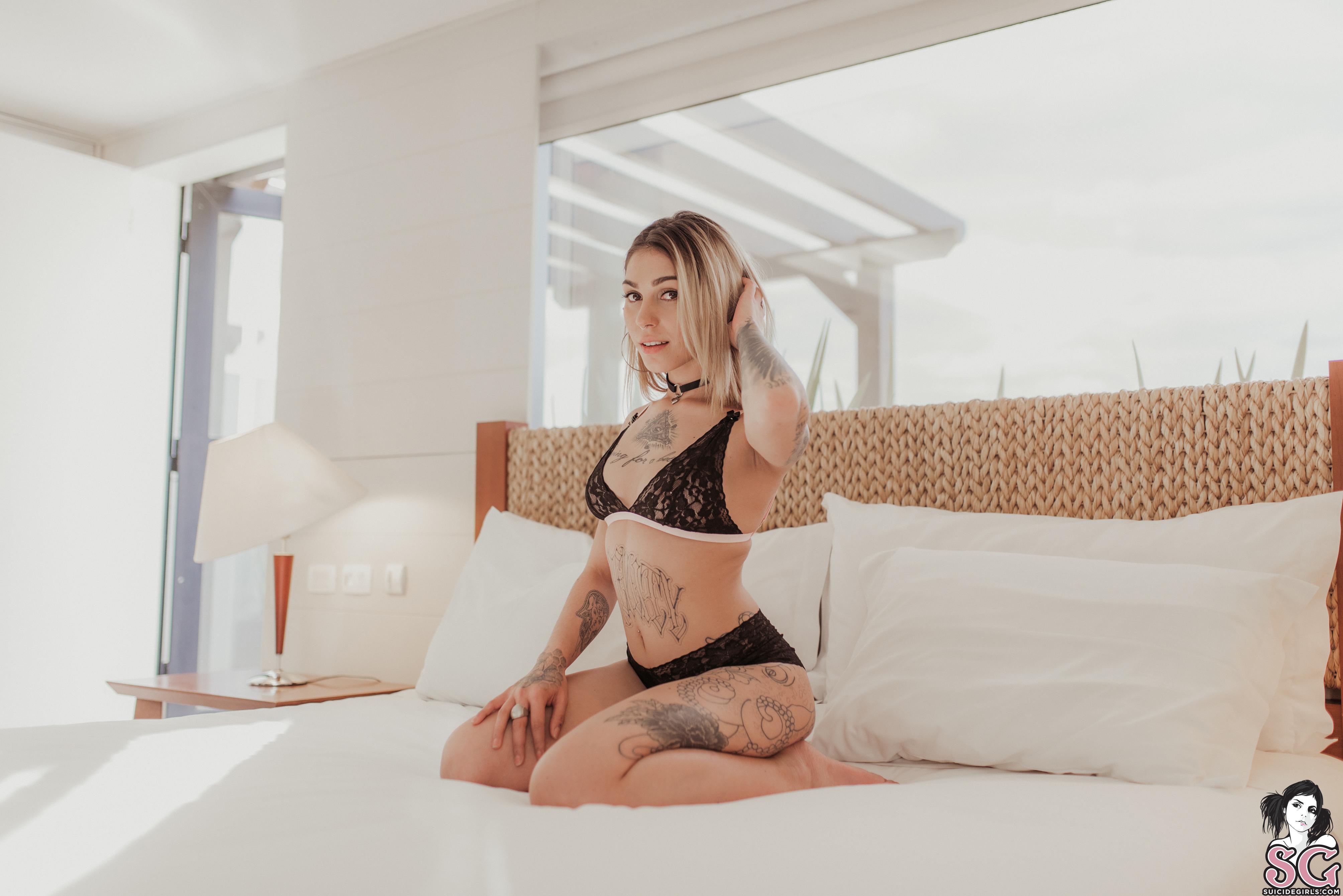 meztelen forls a házaspároknak anális szex van-e?