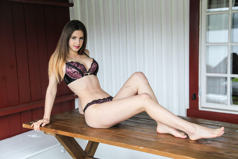 Lana rhoades stella cox pin