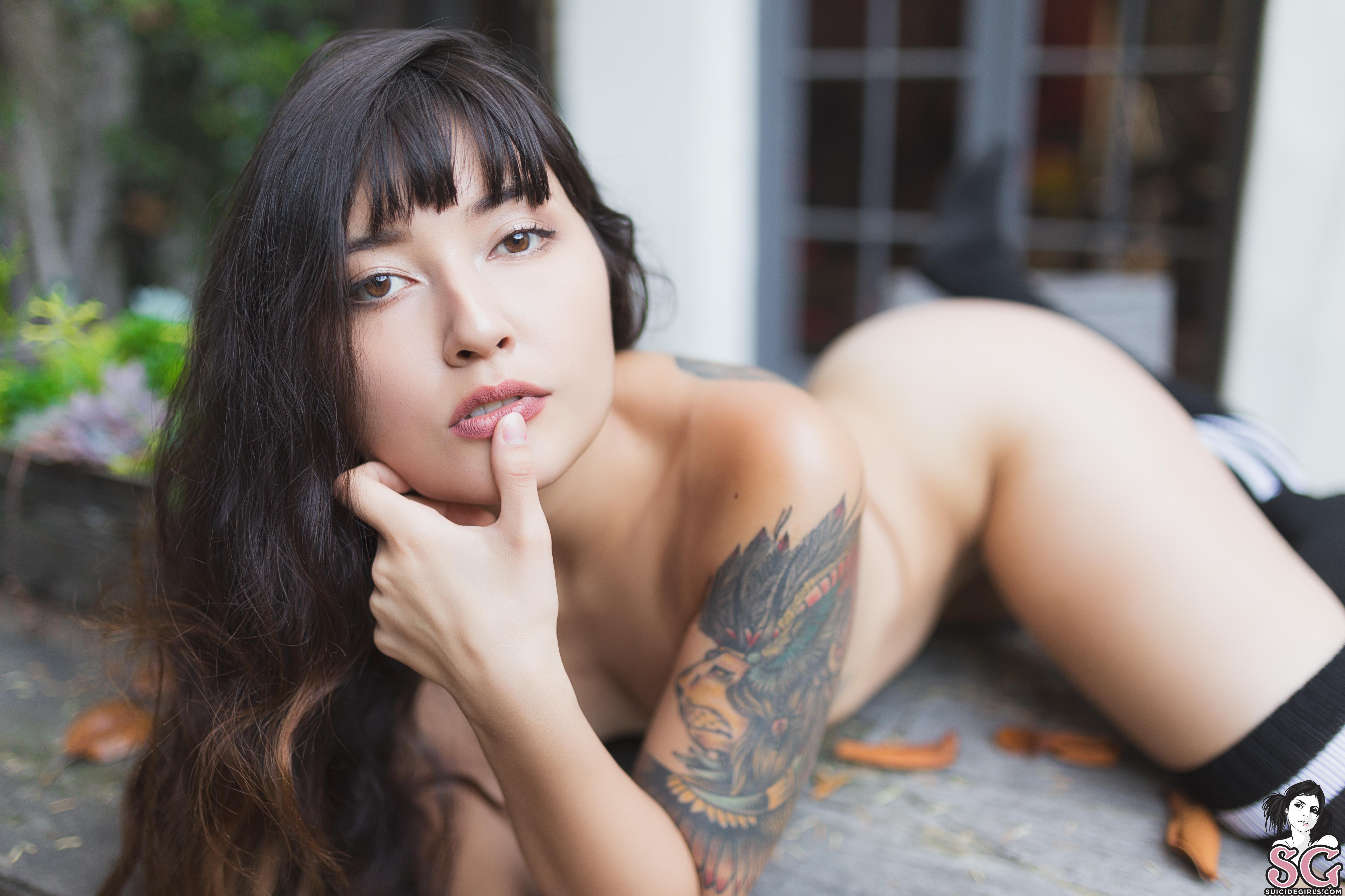 Allis Suicide wallpaper : suicide girls, women, brunette, garden, tattoo
