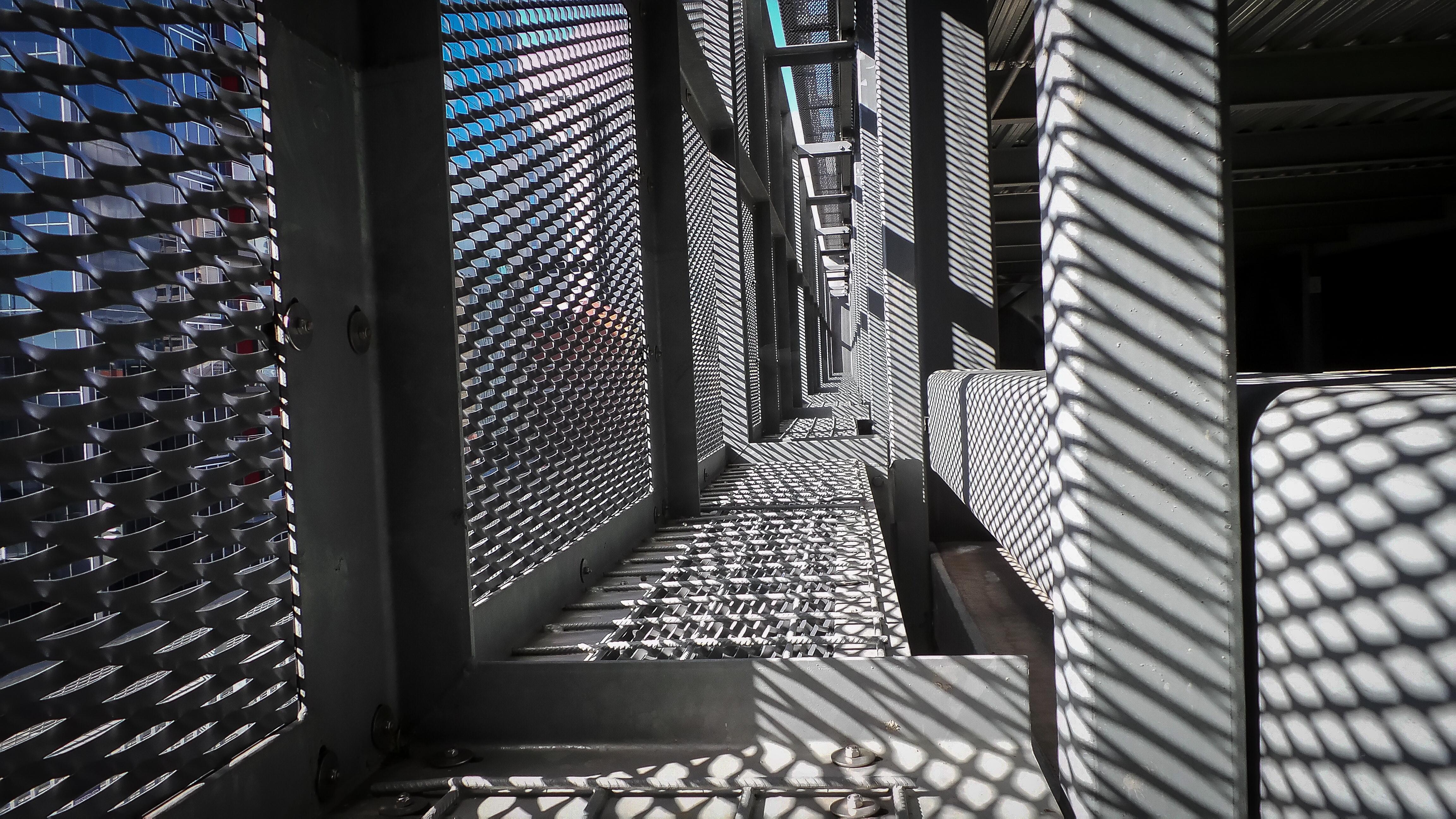 Hintergrundbilder : Sonne, Metall, Zaun, Beton, Schatten, Außen ...