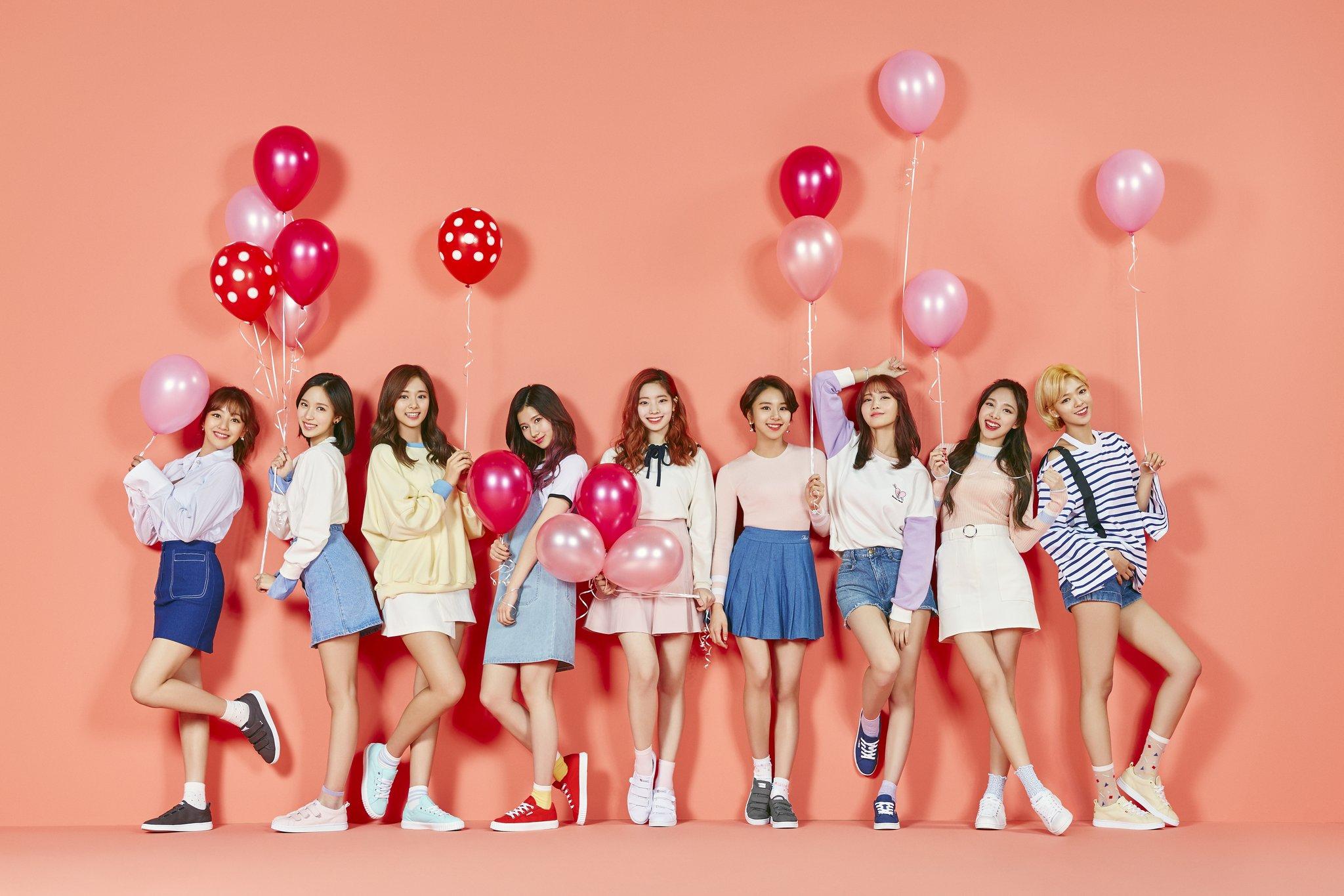 Wallpaper Twice K Pop Group Of Women Balloon 2048x1365