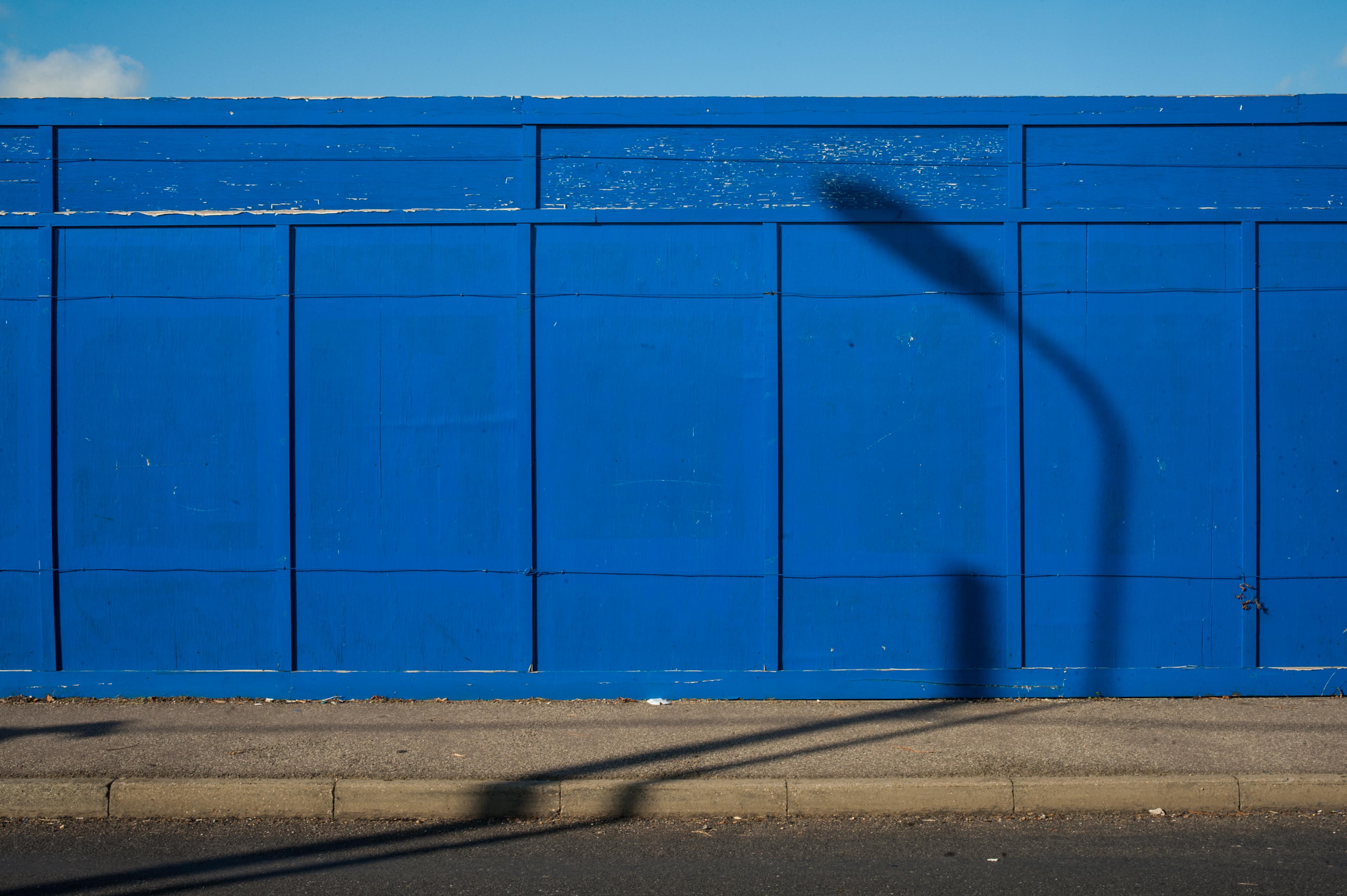 Hintergrundbilder : abstrakt, Minimalismus, Fahrzeug, Mauer, blau ...