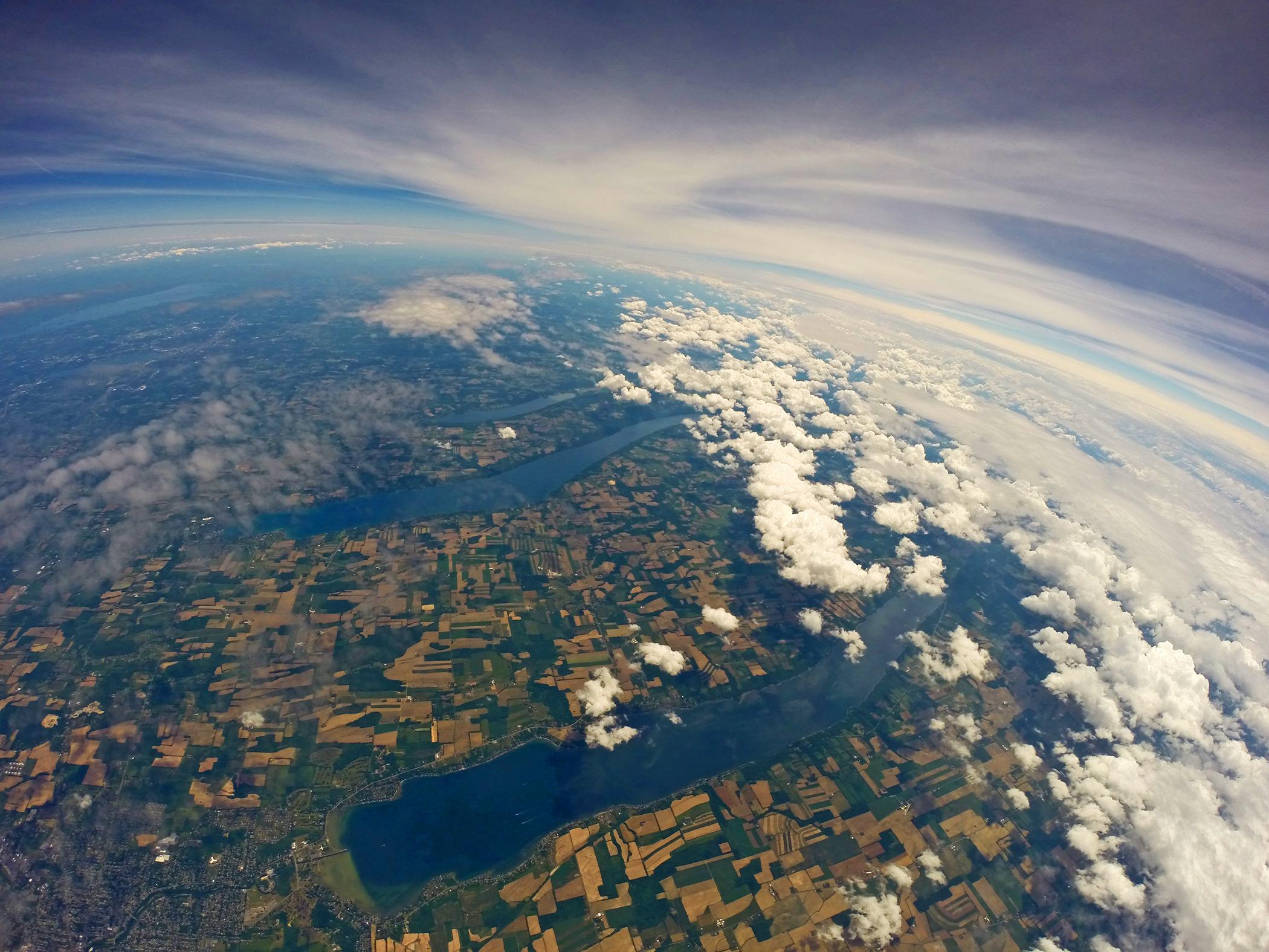 картинка высоко над землей
