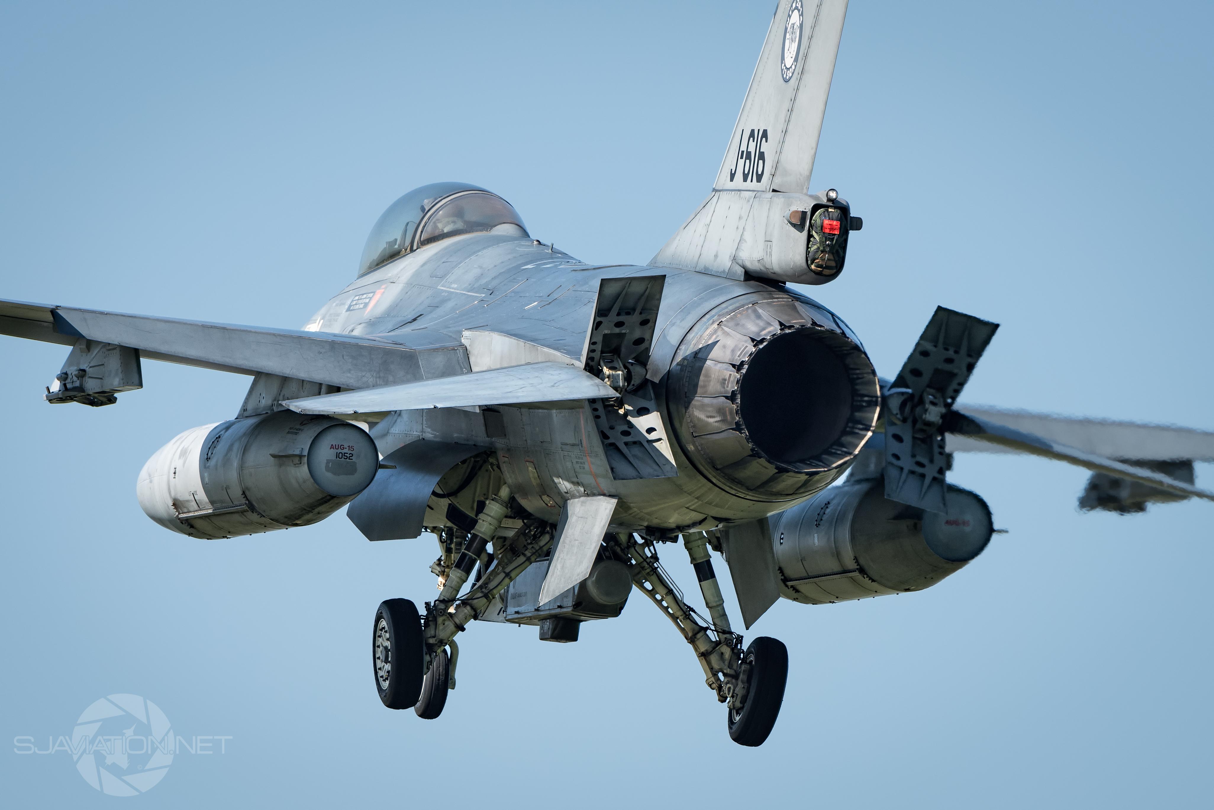 Wallpaper : airplane, tiger, Nikon, military aircraft ...