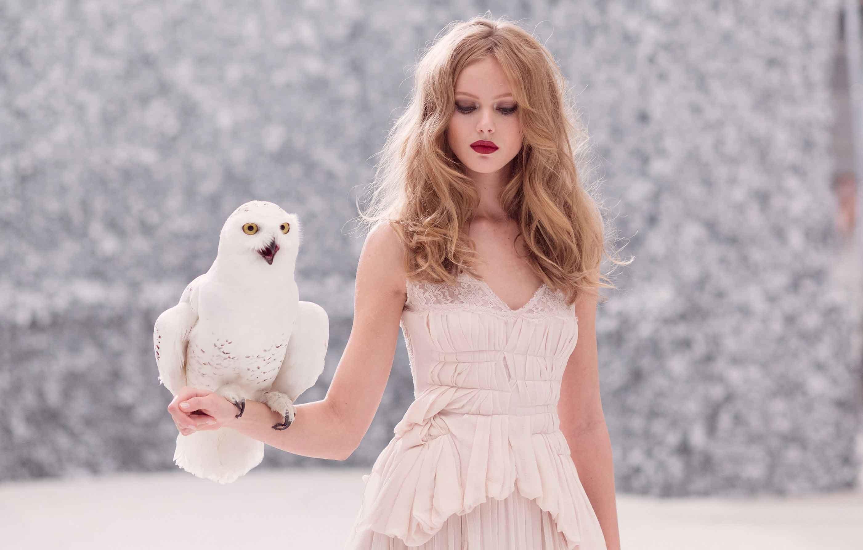 sale retailer 3f5ce d26af Hintergrundbilder : Tiere, Frau, Modell-, blond, lange Haare ...