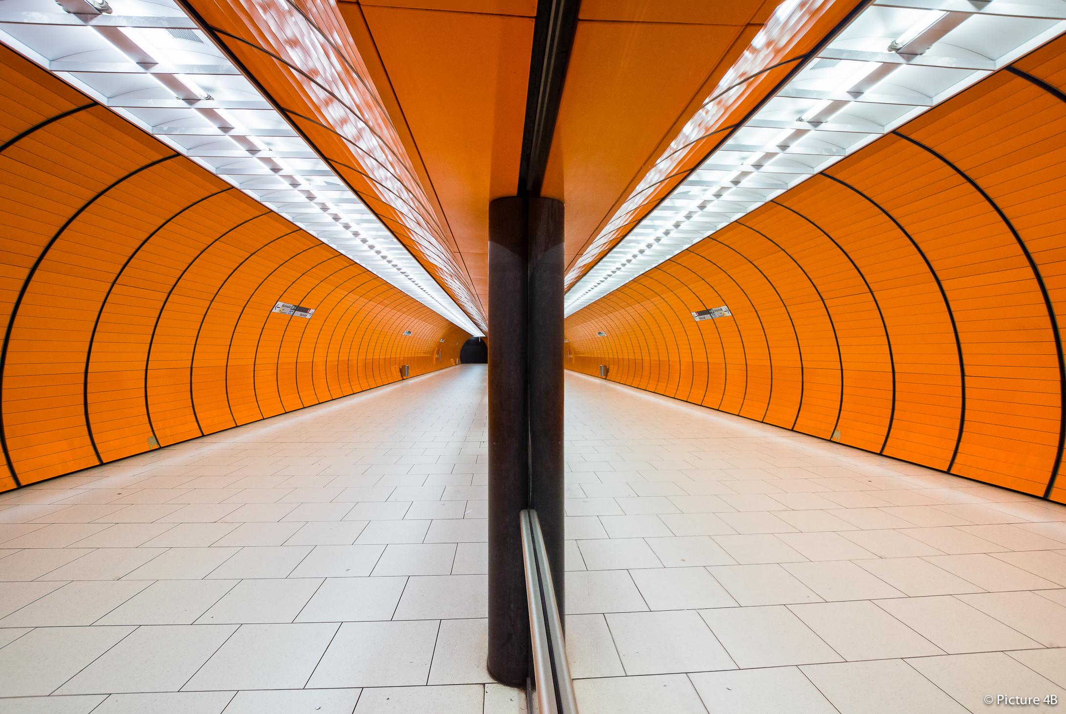 Badspiegel München wallpaper architecture reflection wood symmetry yellow