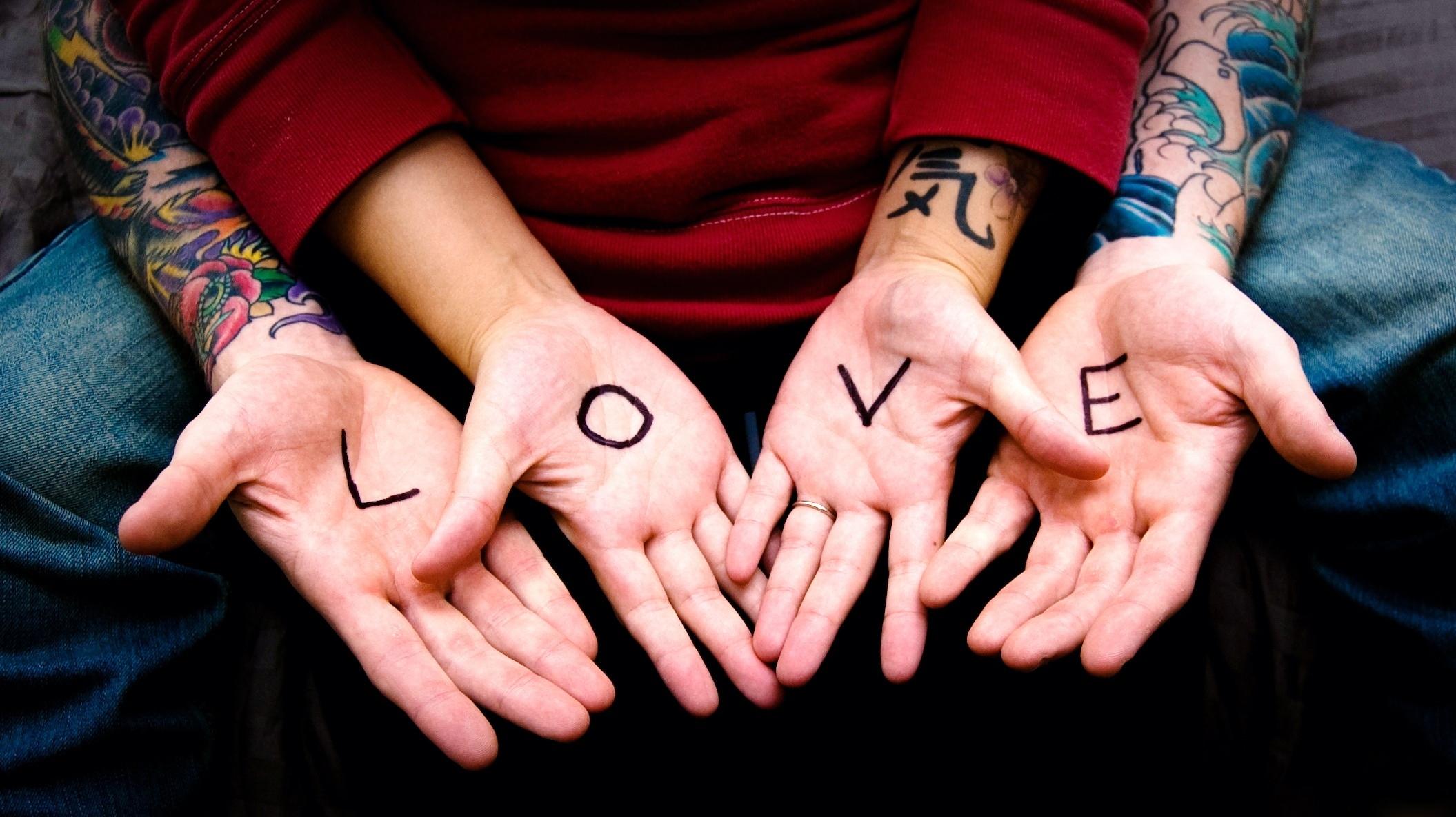 arms-couple-tattoo-heart-love-663890.jpg