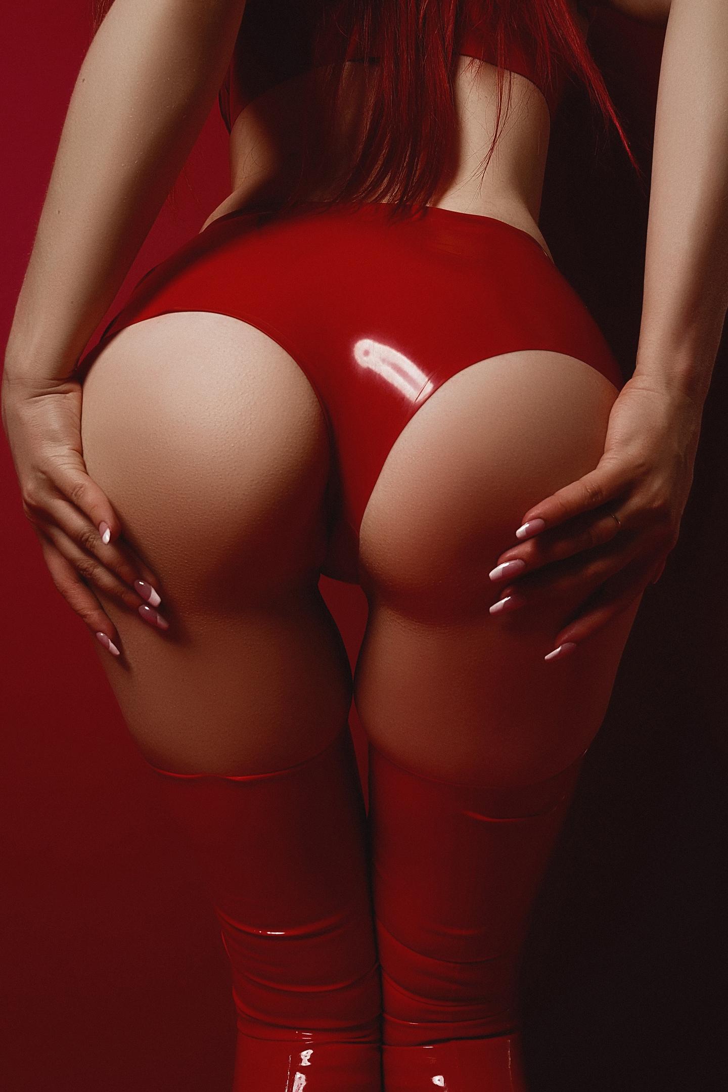 раз красные попки женские жирной леди гладенькая