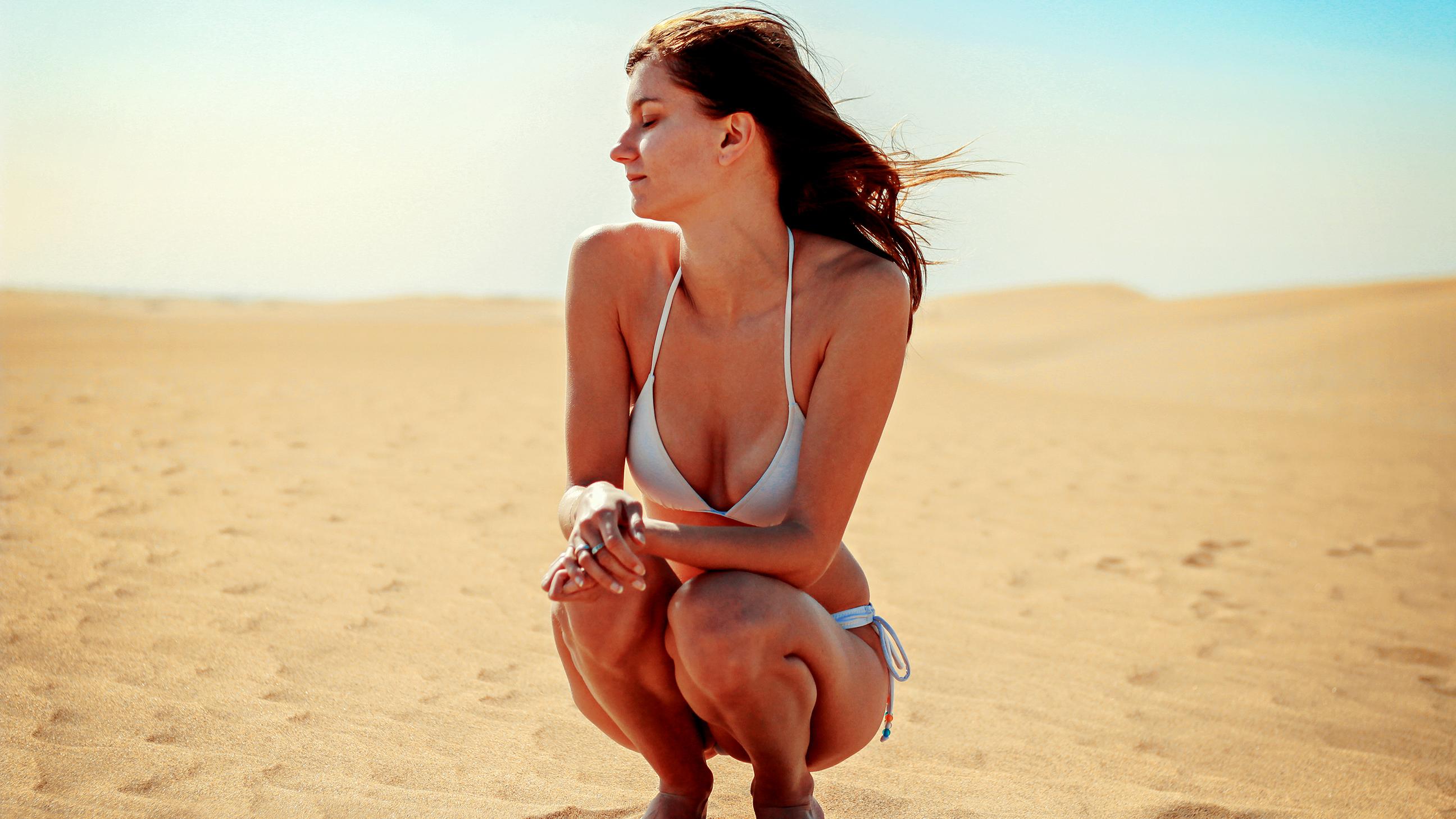 bikini-in-in-photo-women-beach-nude-short