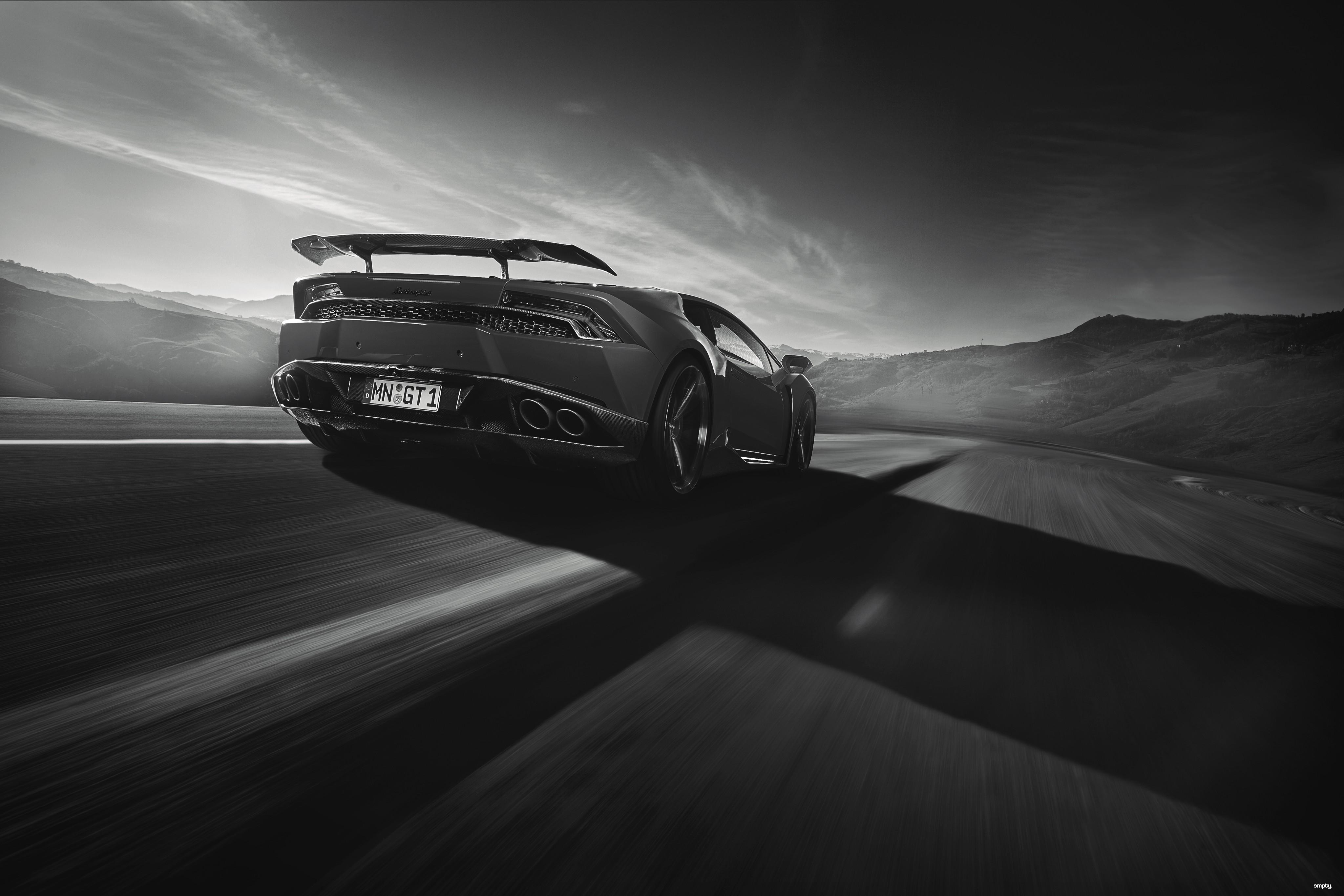 Gambar Mobil Sport Warna Hitam Terbaru