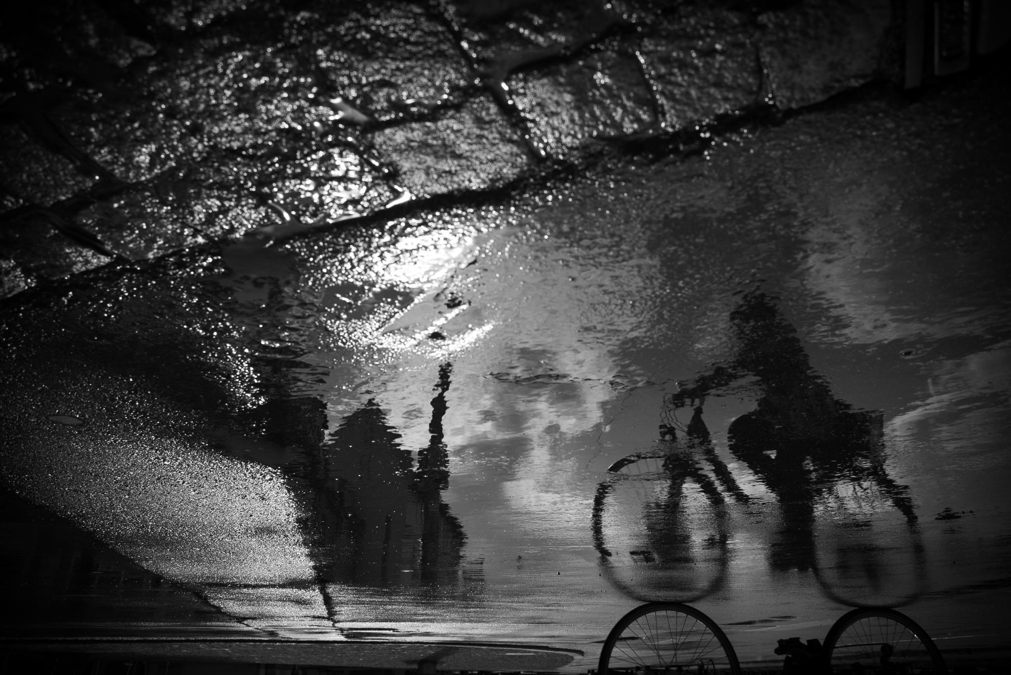 Stilleben Erfurt hintergrundbilder schwarz einfarbig nacht wasser fahrrad