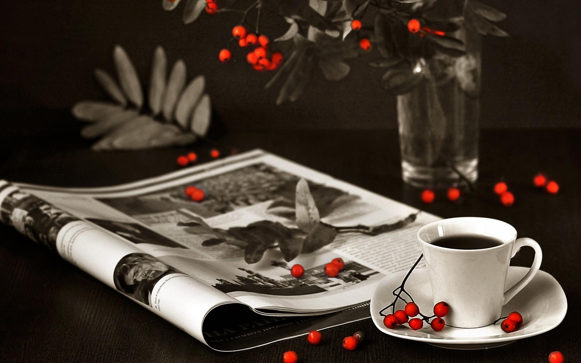 Wallpaper Hitam Merah Mewarnai Selektif Minum Cangkir