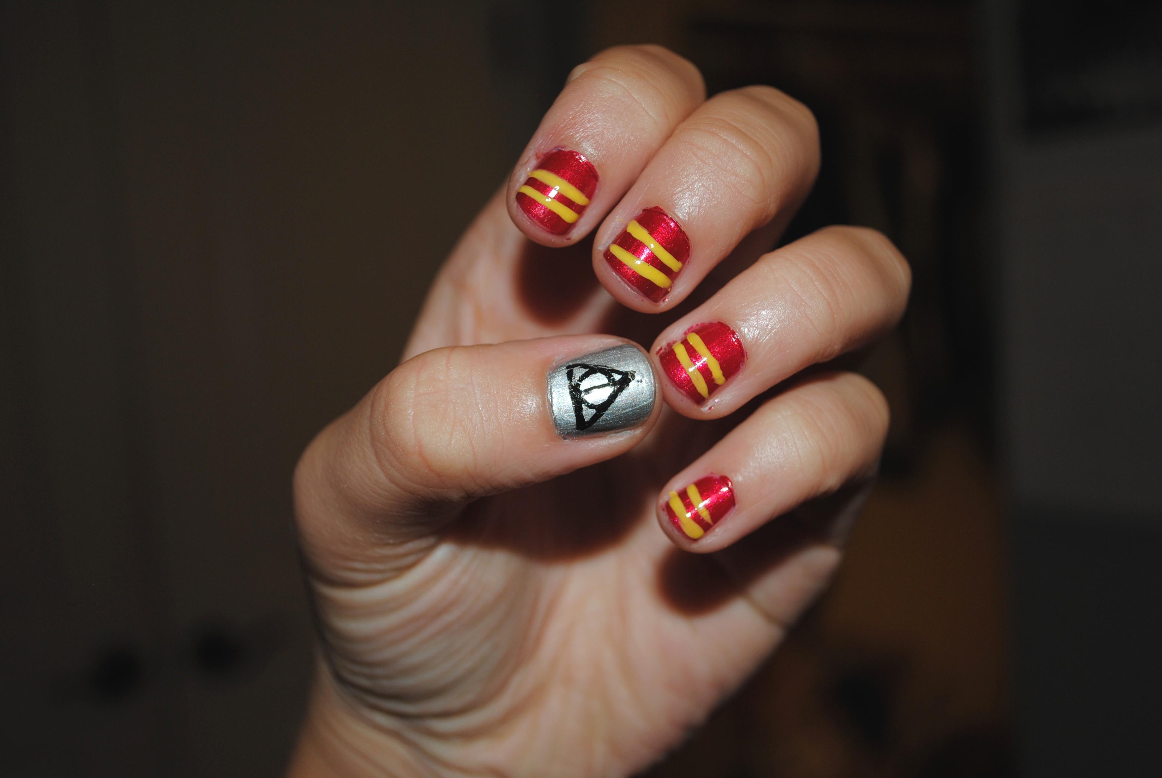 Hintergrundbilder : schwarz, rot, Gelb, Polieren, Nägel, Silber ...