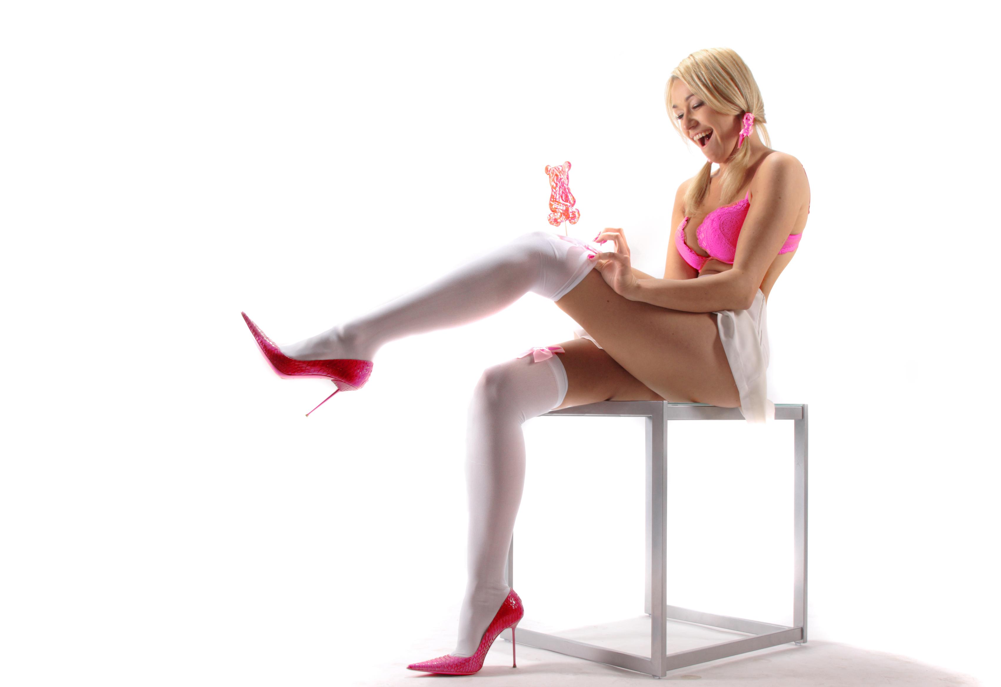 Girls titts girl fucked heels red