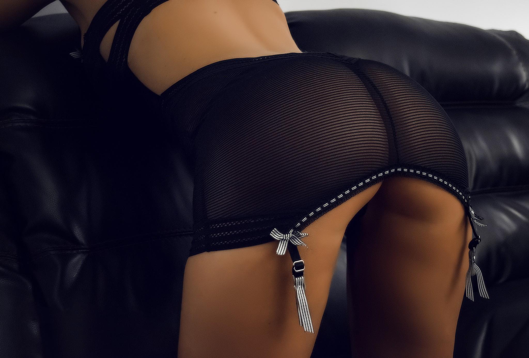erotika-chernie-zhopi