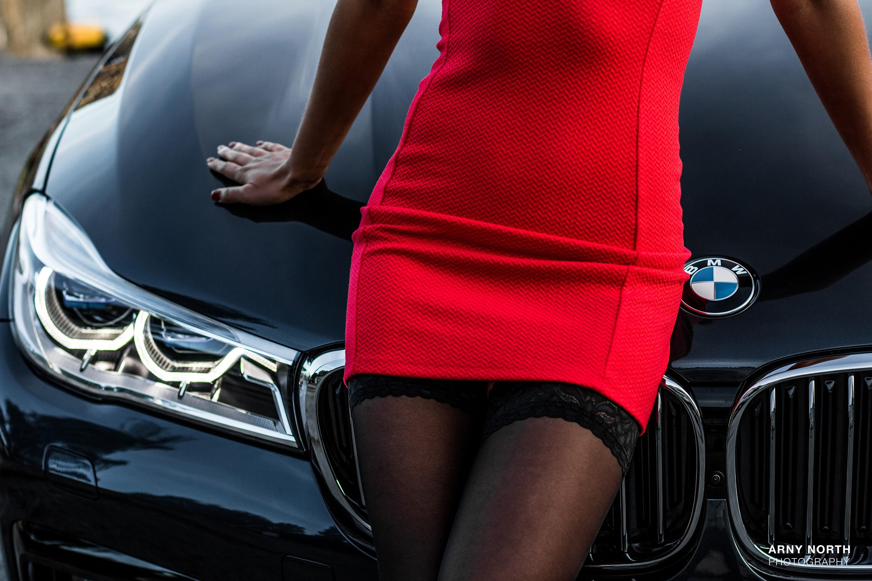 картинки машин с женскими ногами считаются