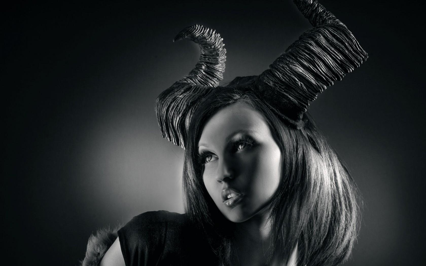 Картинки женщин дьяволиц