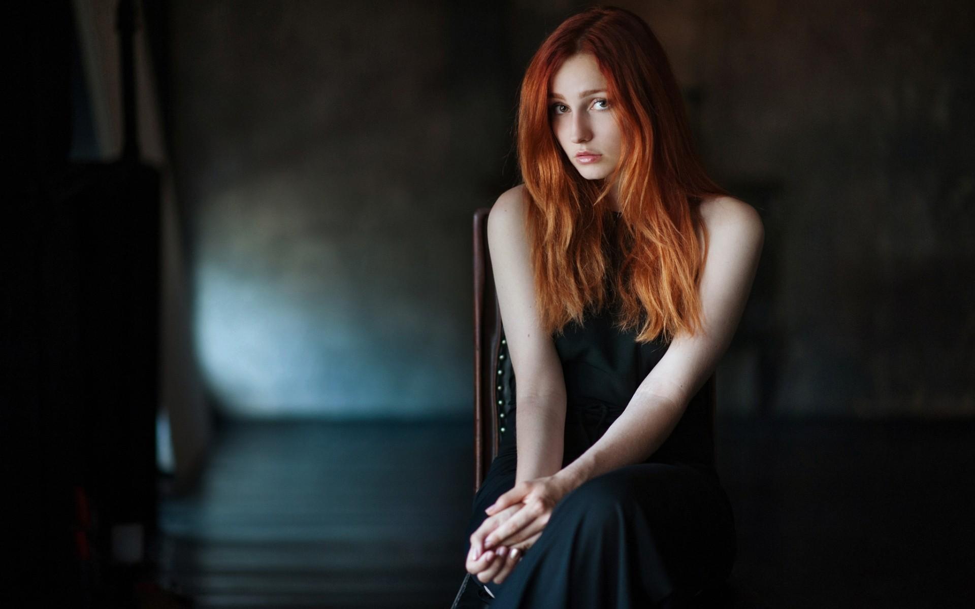 Рыжая красавица на стуле, жену отеле порно