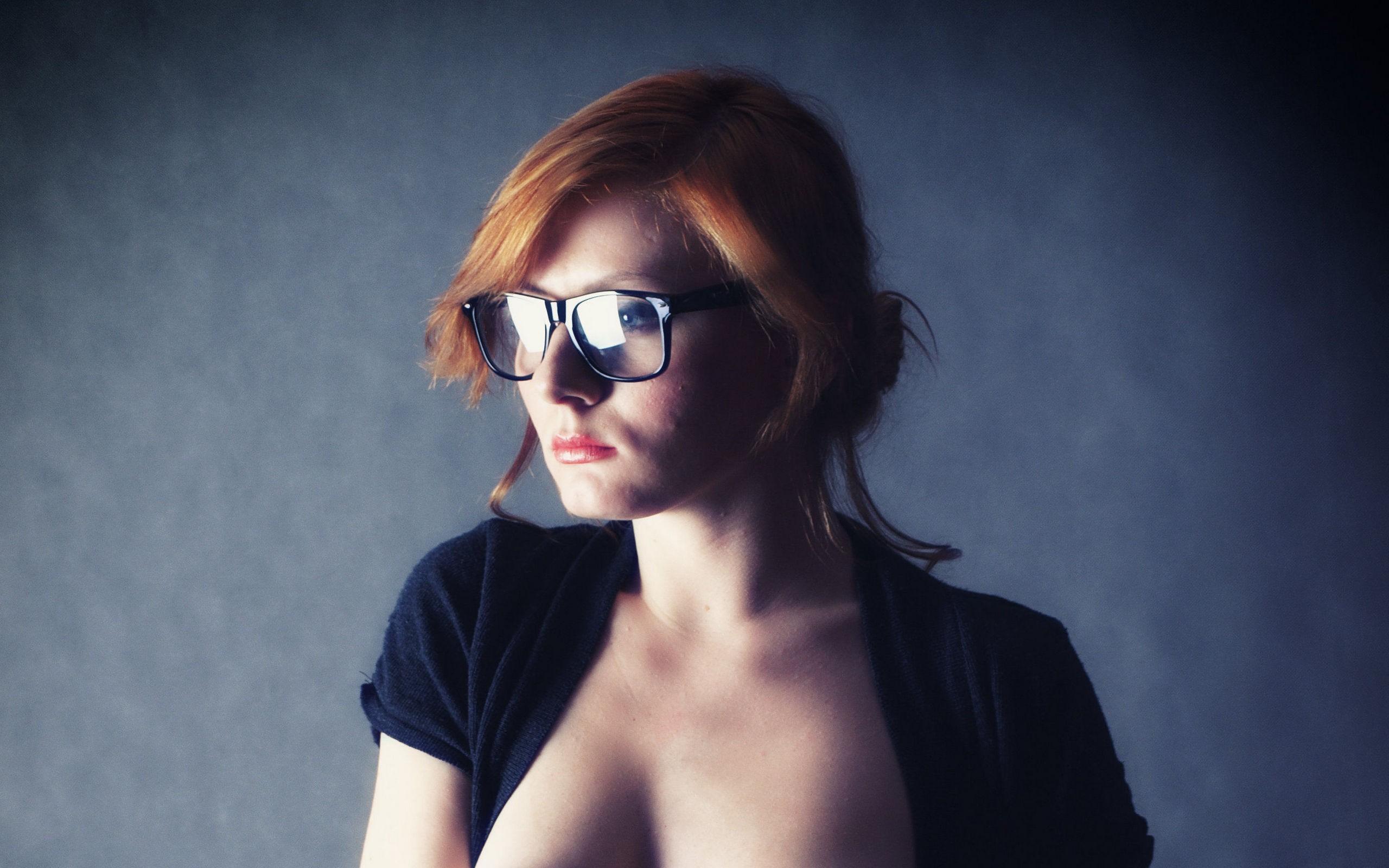 Wallpaper Wanita Si Rambut Merah Model Kacamata Hitam Biru Mode Payudara Keren Gadis Keindahan Mata Hairstyle Fotografi Potret Pemotretan Perawatan Penglihatan Organ 2560x1600 Wallpapermaniac 342357 Hd Wallpapers Wallhere