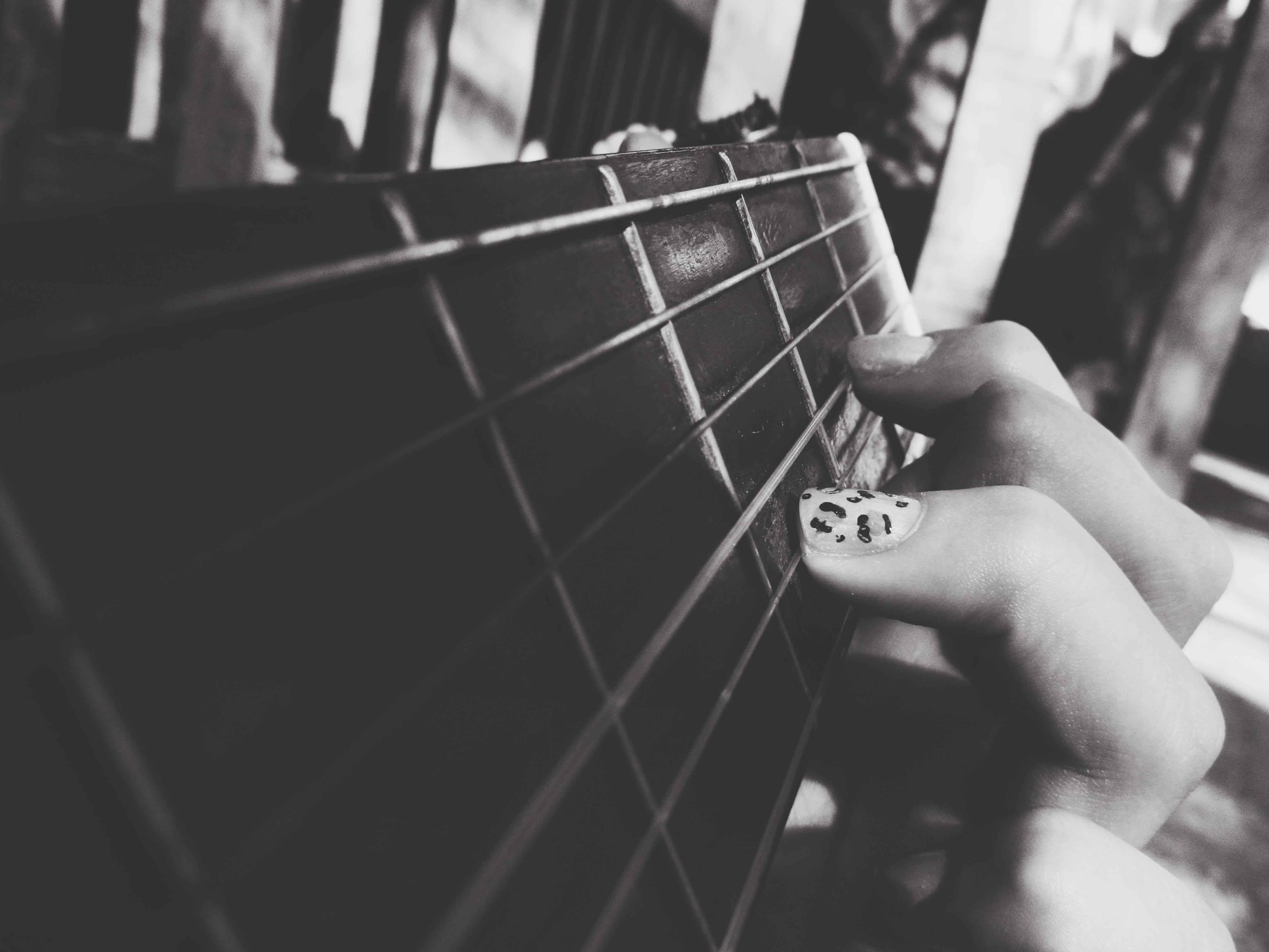 Sfondi bianco e nero bw musica carina ragazza for Sfondi bianco e nero tumblr