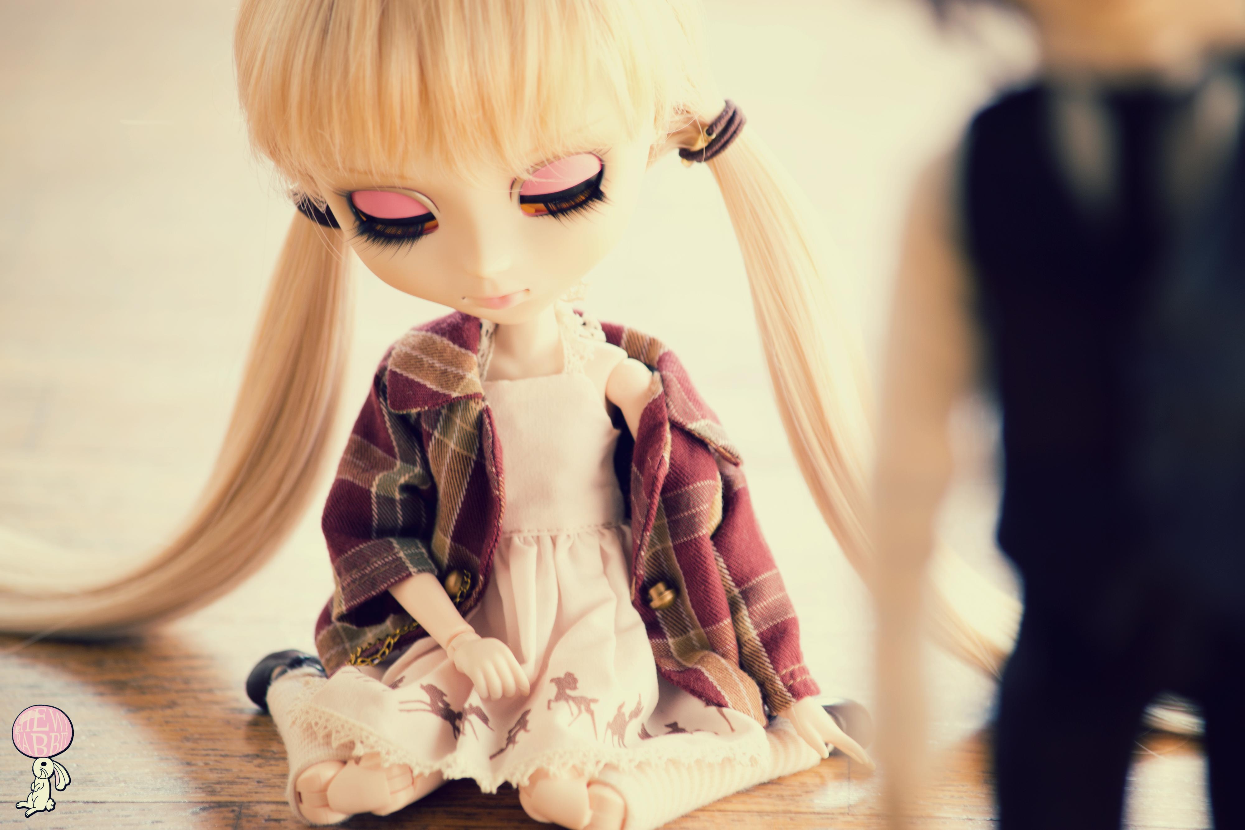 eedbe01c66d01 Loiras Anime óculos vestir azul moda triste Brinquedo Rosa Primavera pele  boneca roupas olho estoque Pullip