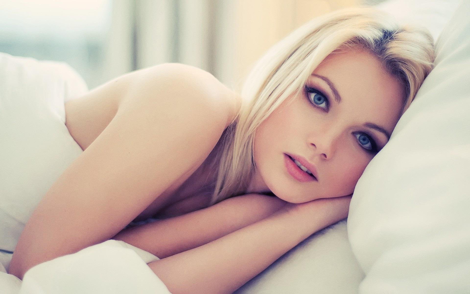 Ебем с другом мою красавицу жену русское домашнее порно МЖМ