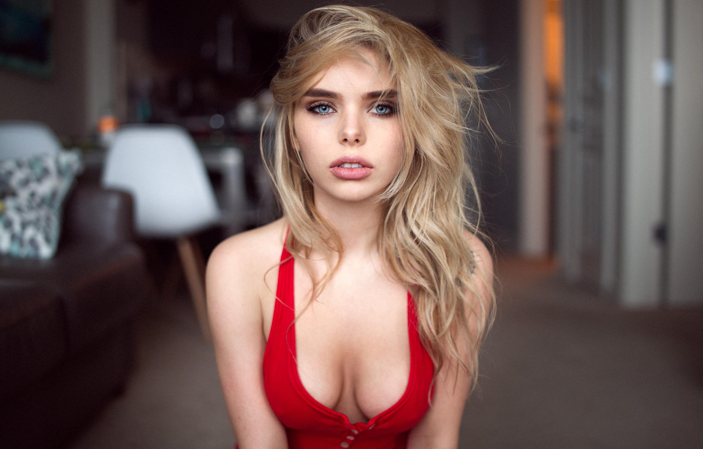 Blonde Big Boobs Pics And Perfect Tits Porn