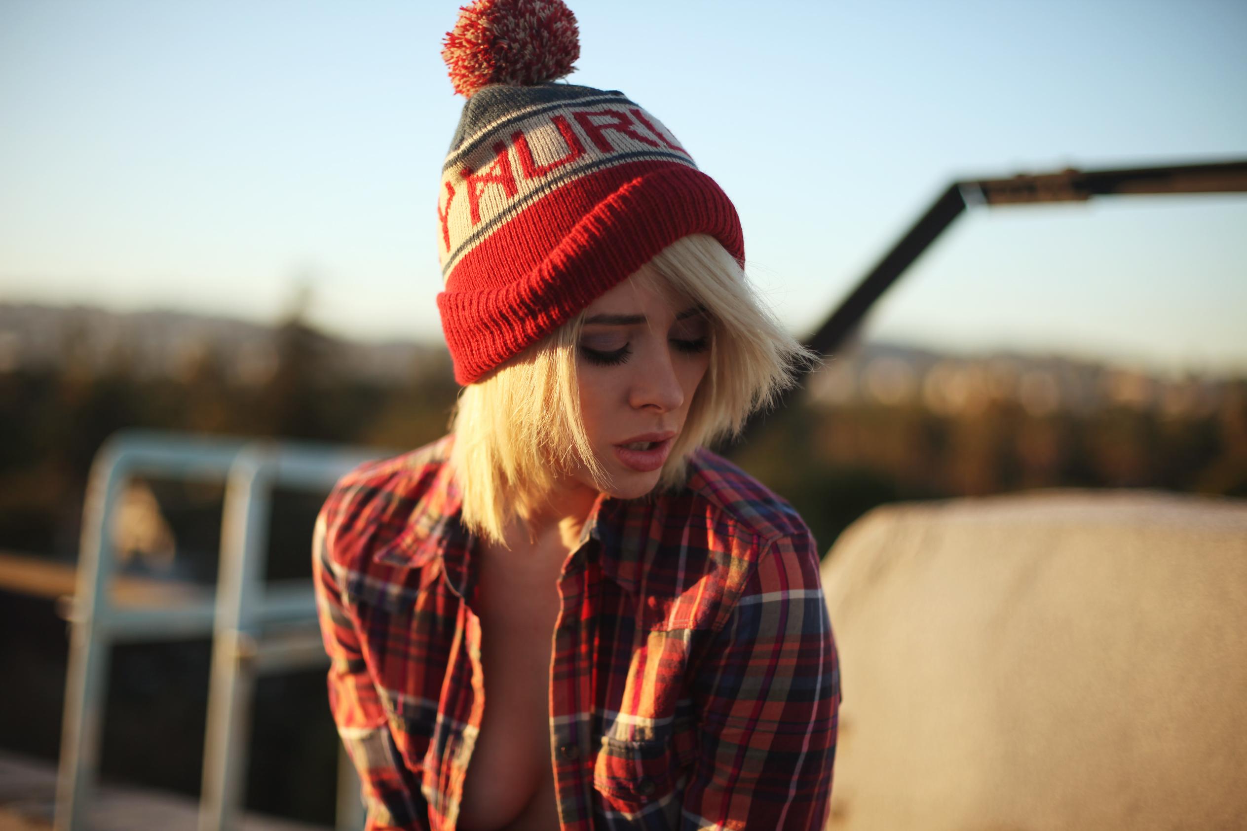 Hintergrundbilder : blond, rot, Hut, Winter, Muster, Kanon, Fotograf ...