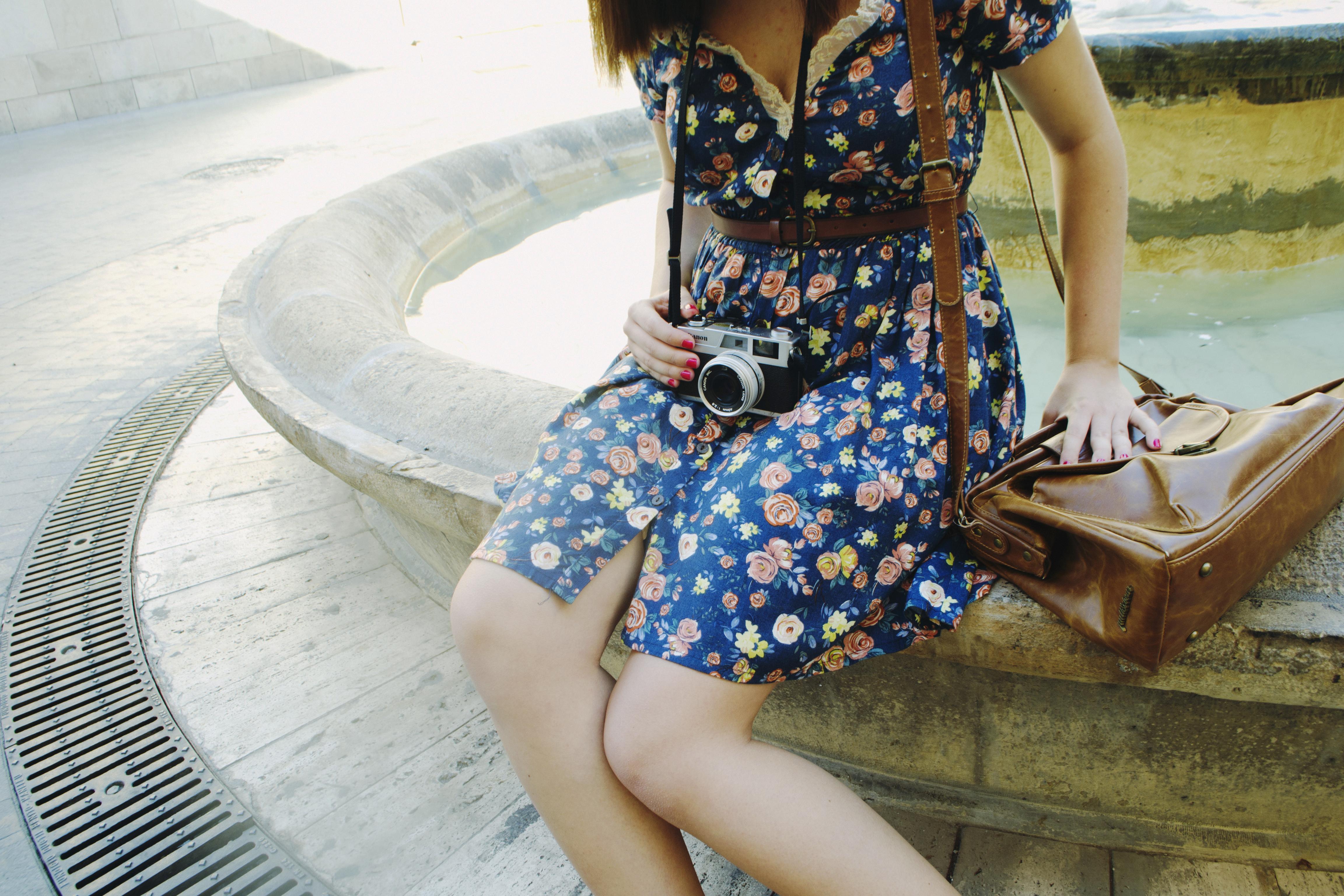 Hintergrundbilder : blau, Kleid, Schulter, Modemodell, Mädchen, Bein ...