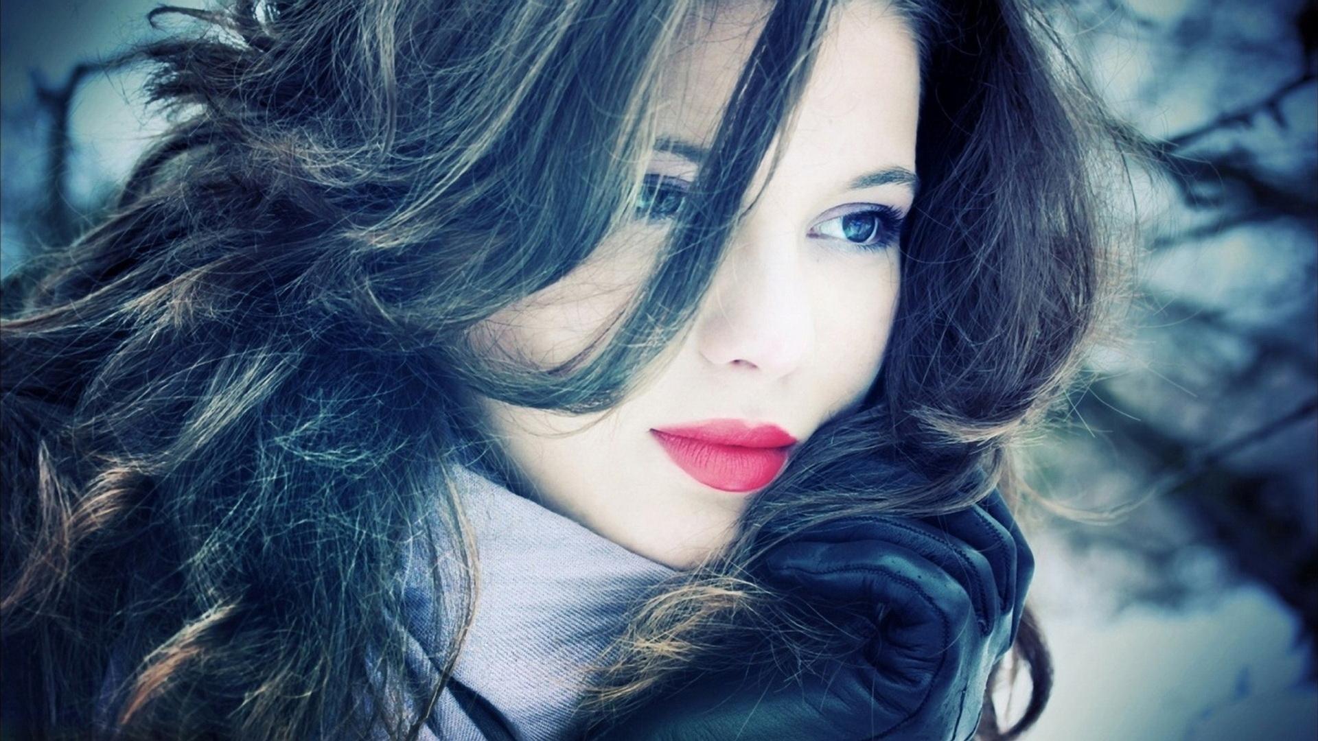 blue eyes girl hair lipstick make up