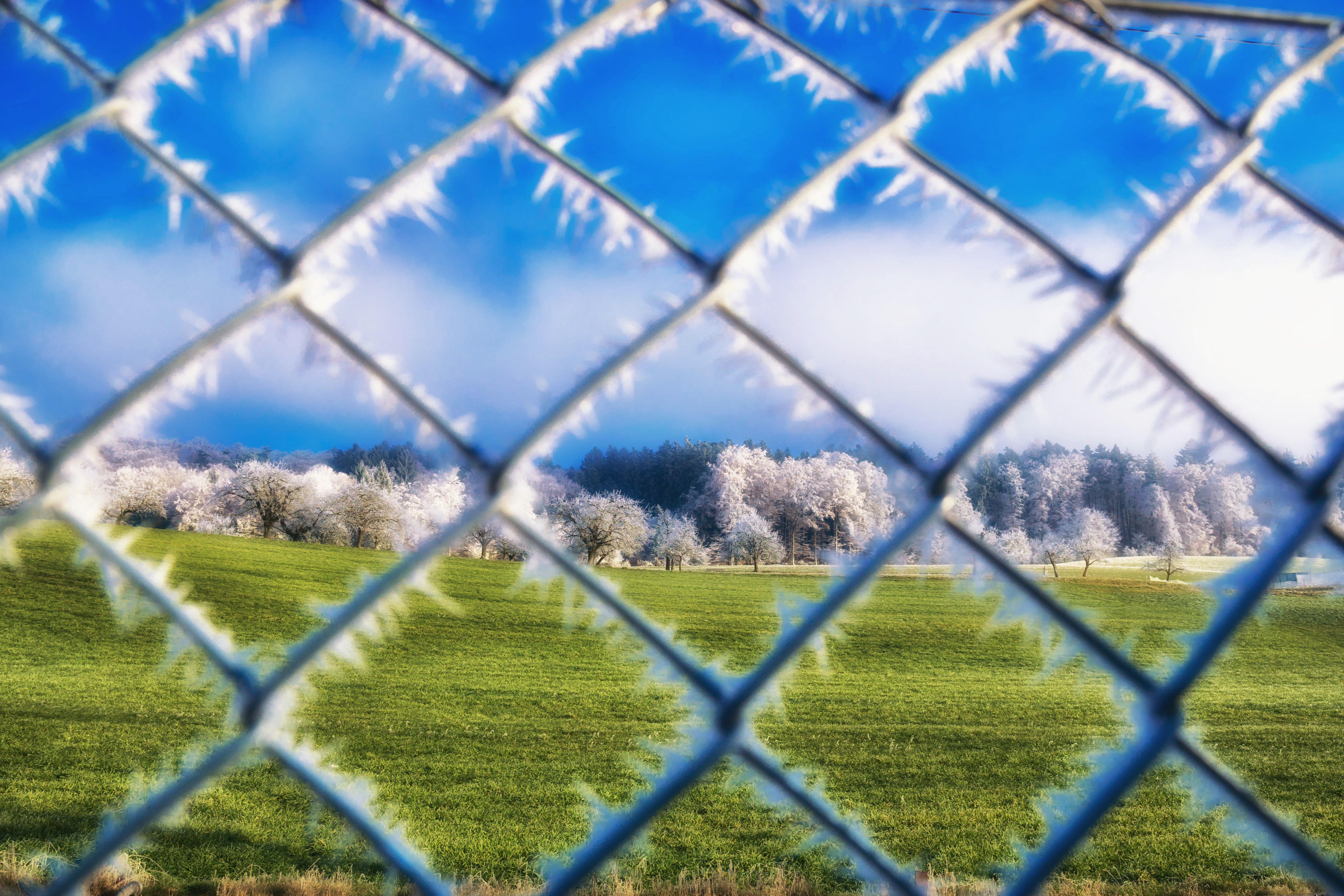 Hintergrundbilder : blau, Drahtzäune, Himmel, Gras, Netz, Struktur ...