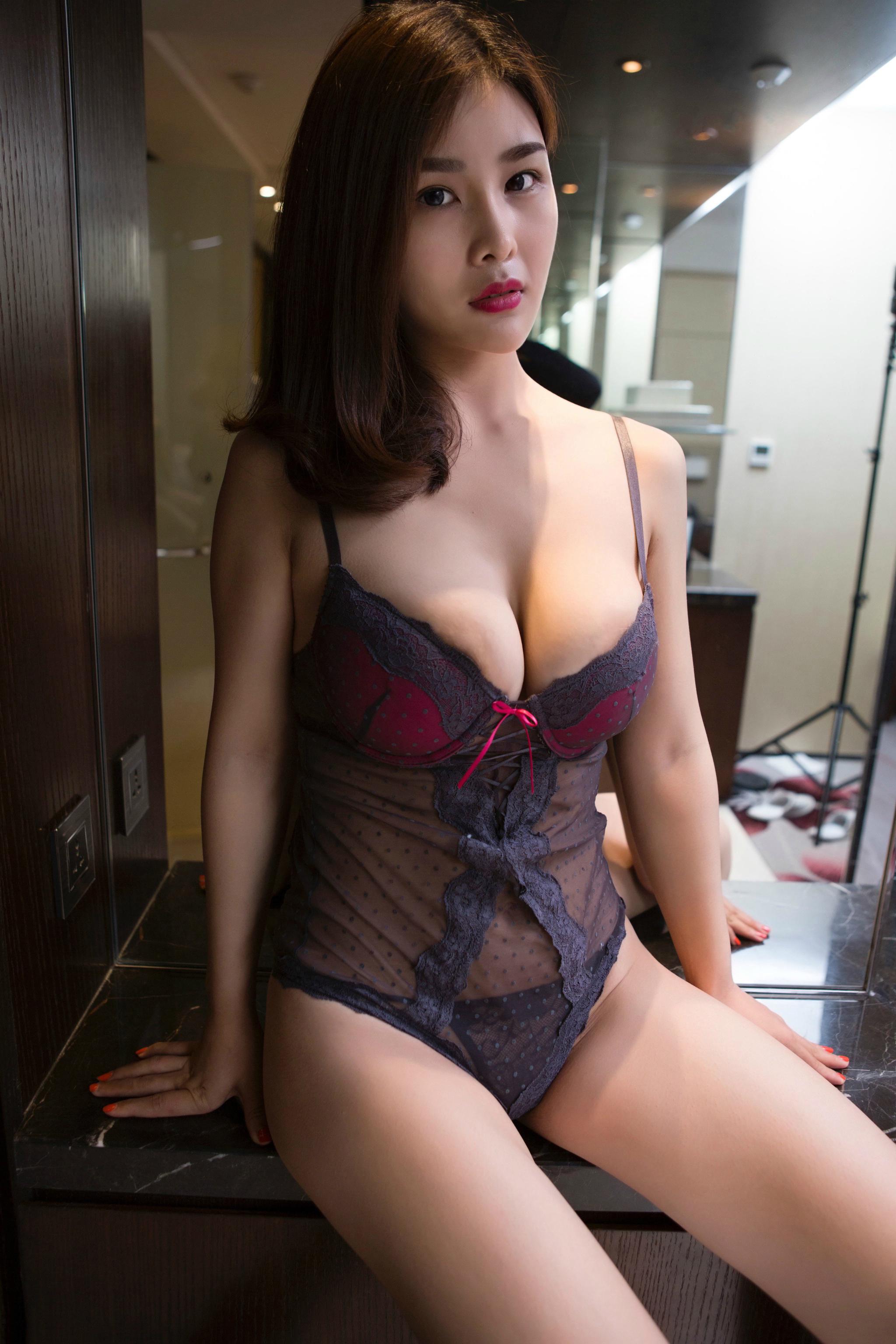 Boobs model