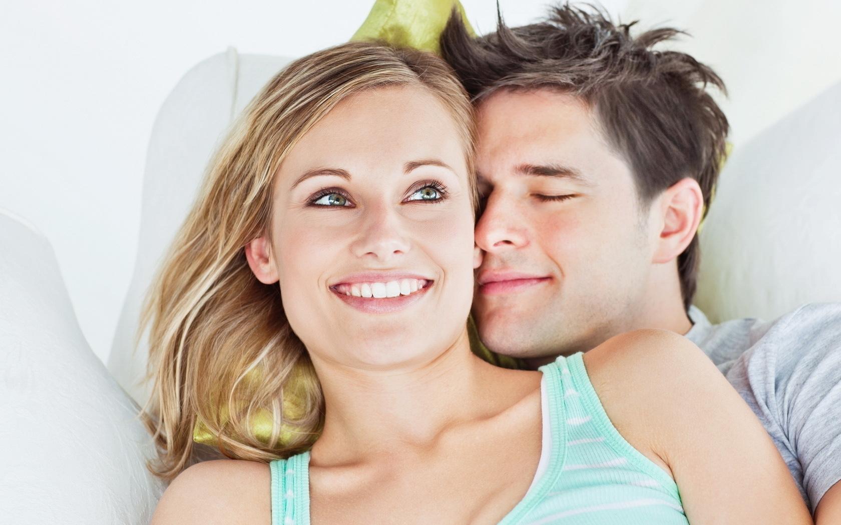 Popular Wallpaper Love Boyfriend - boyfriend-girlfriend-he-she-smile-eyes-touch-love-664643  Trends_829013.jpg