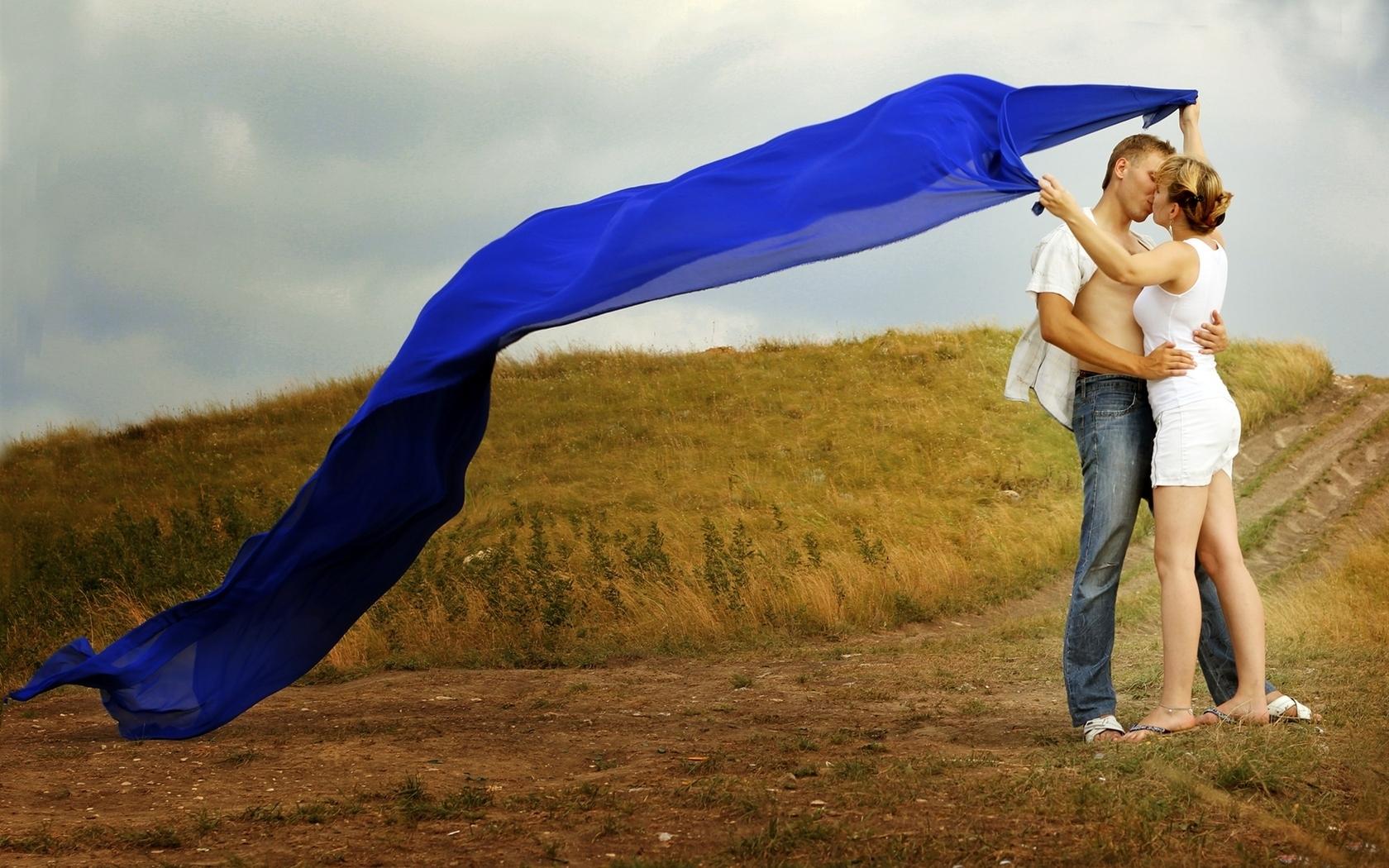 wallpaper : boyfriend, girlfriend, hug, kiss, love, fields, meadows