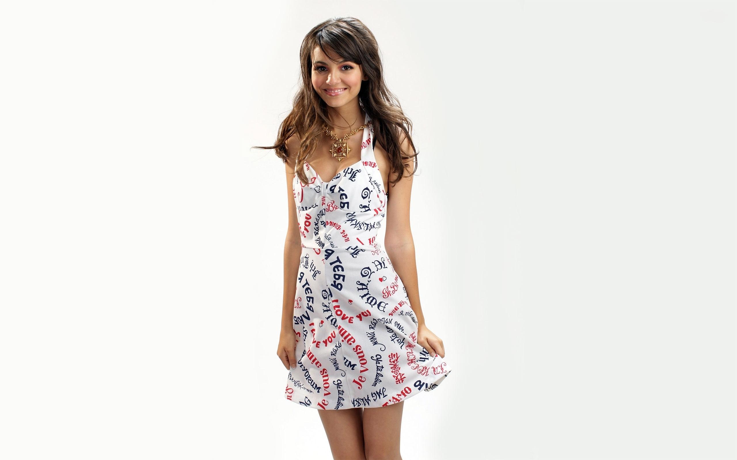 Hintergrundbilder : Brünette, Kleid, Muster, Mode, Frühling ...