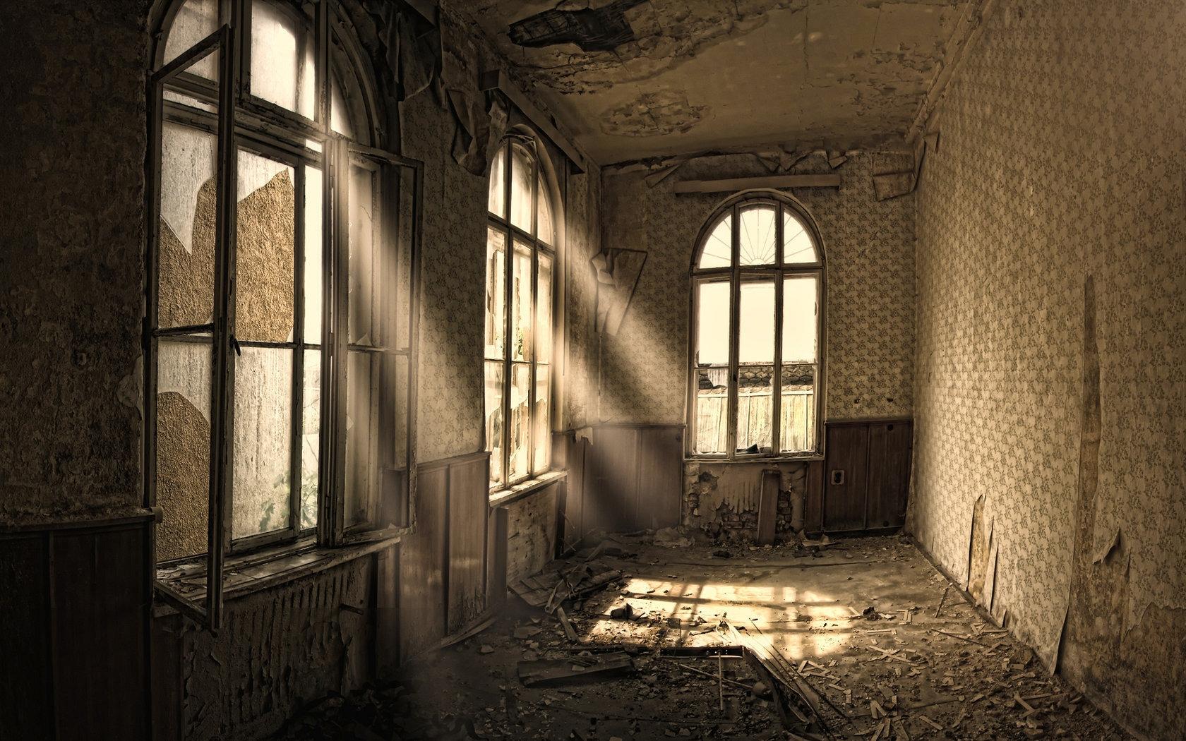 Building Old Room Ruin Windows