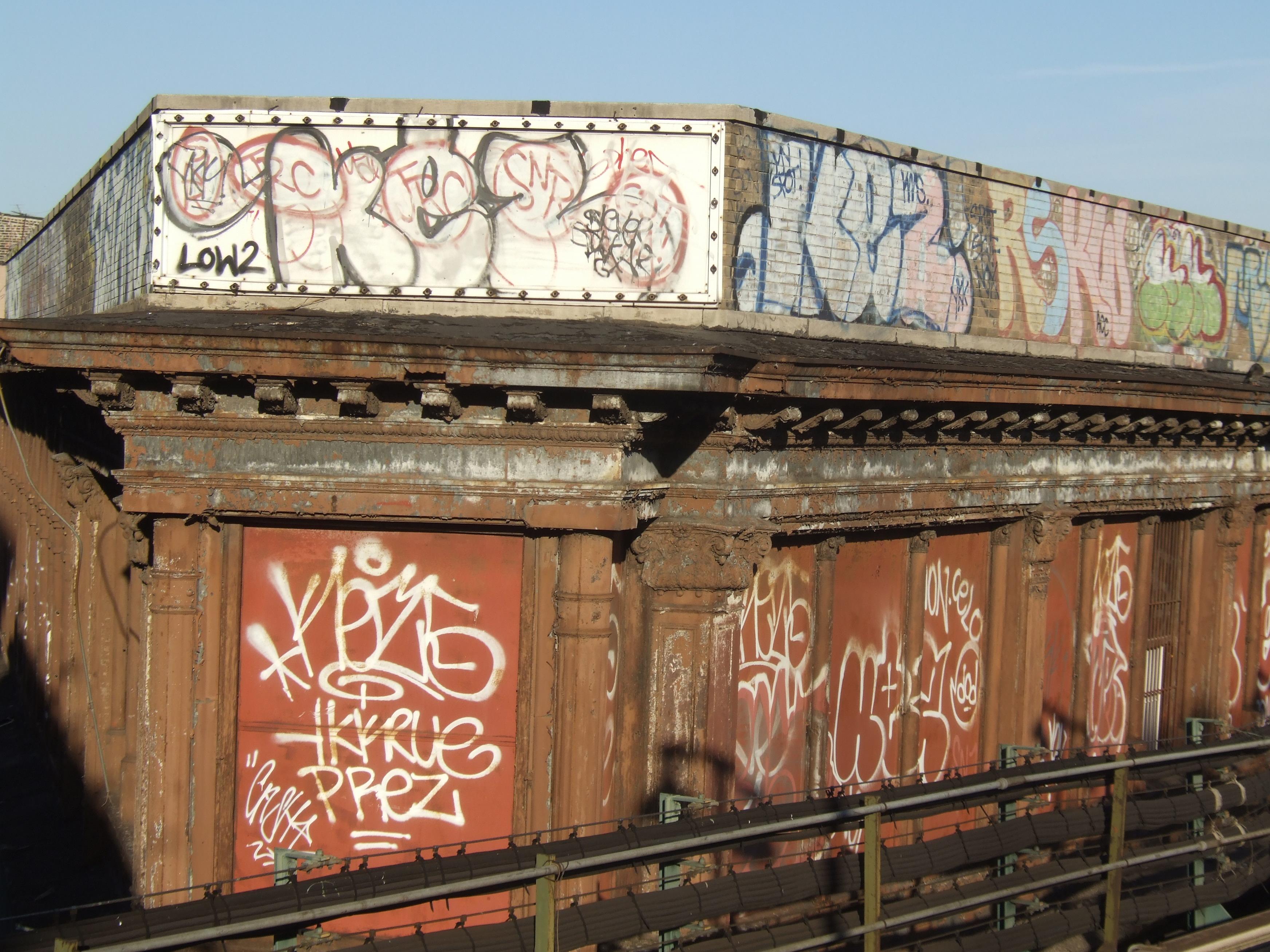 Fond d'écran : bâtiment, train, graffiti, métro, paix, du