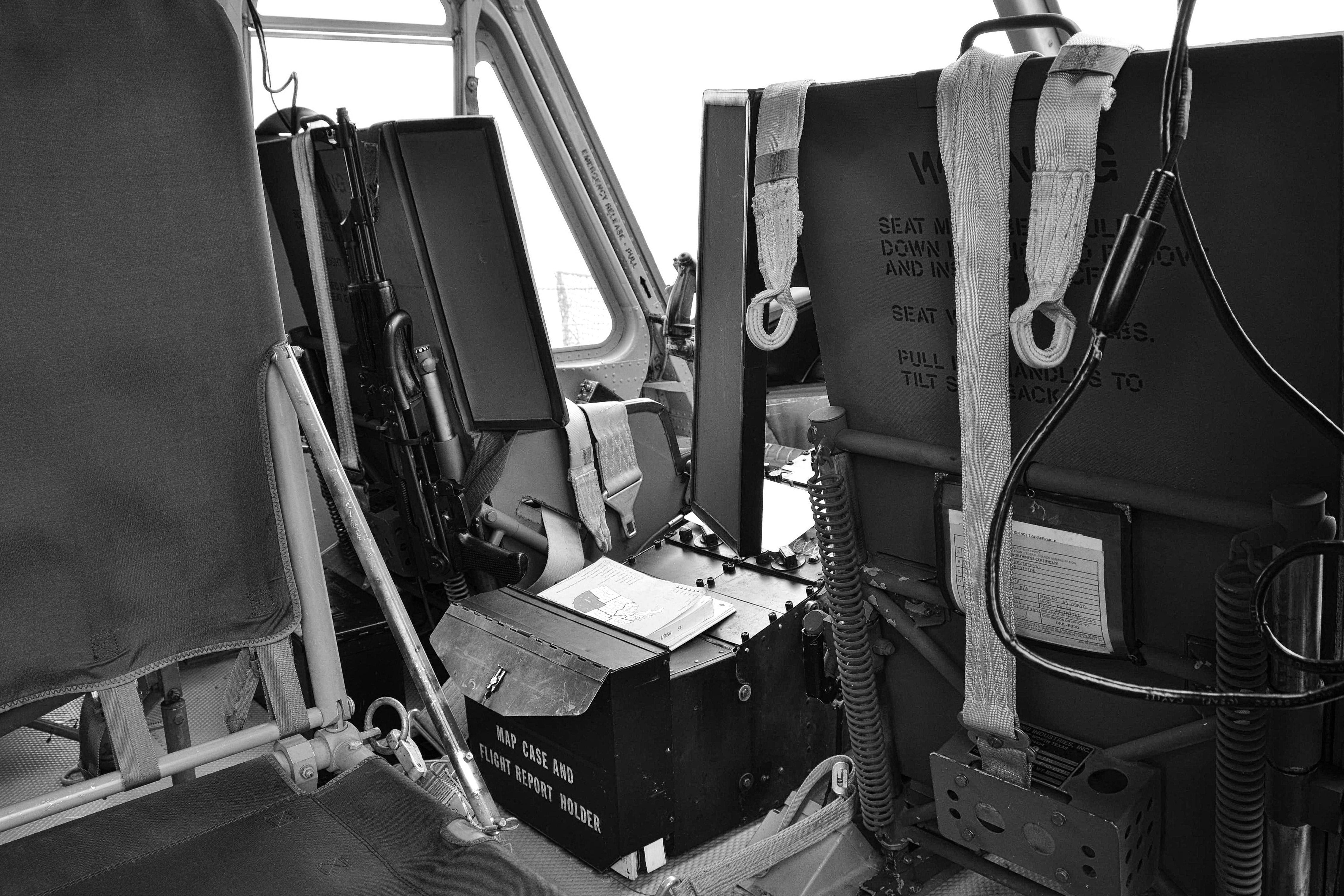 Elicottero Interno : Sfondi bw bianca nero fotografia braccia interno militare