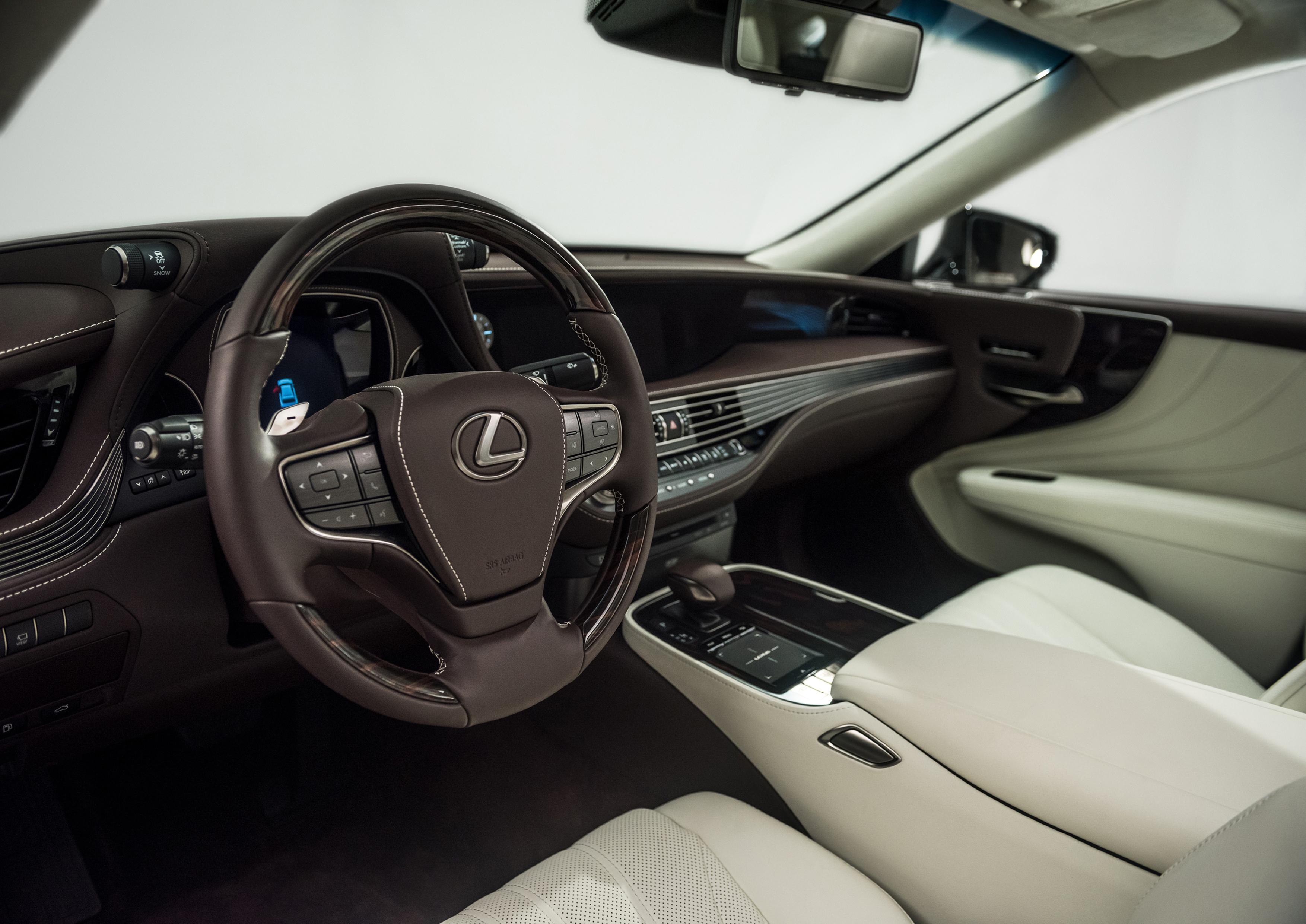 870 Koleksi Gambar Mobil Sedan Lexus Gratis Terbaik