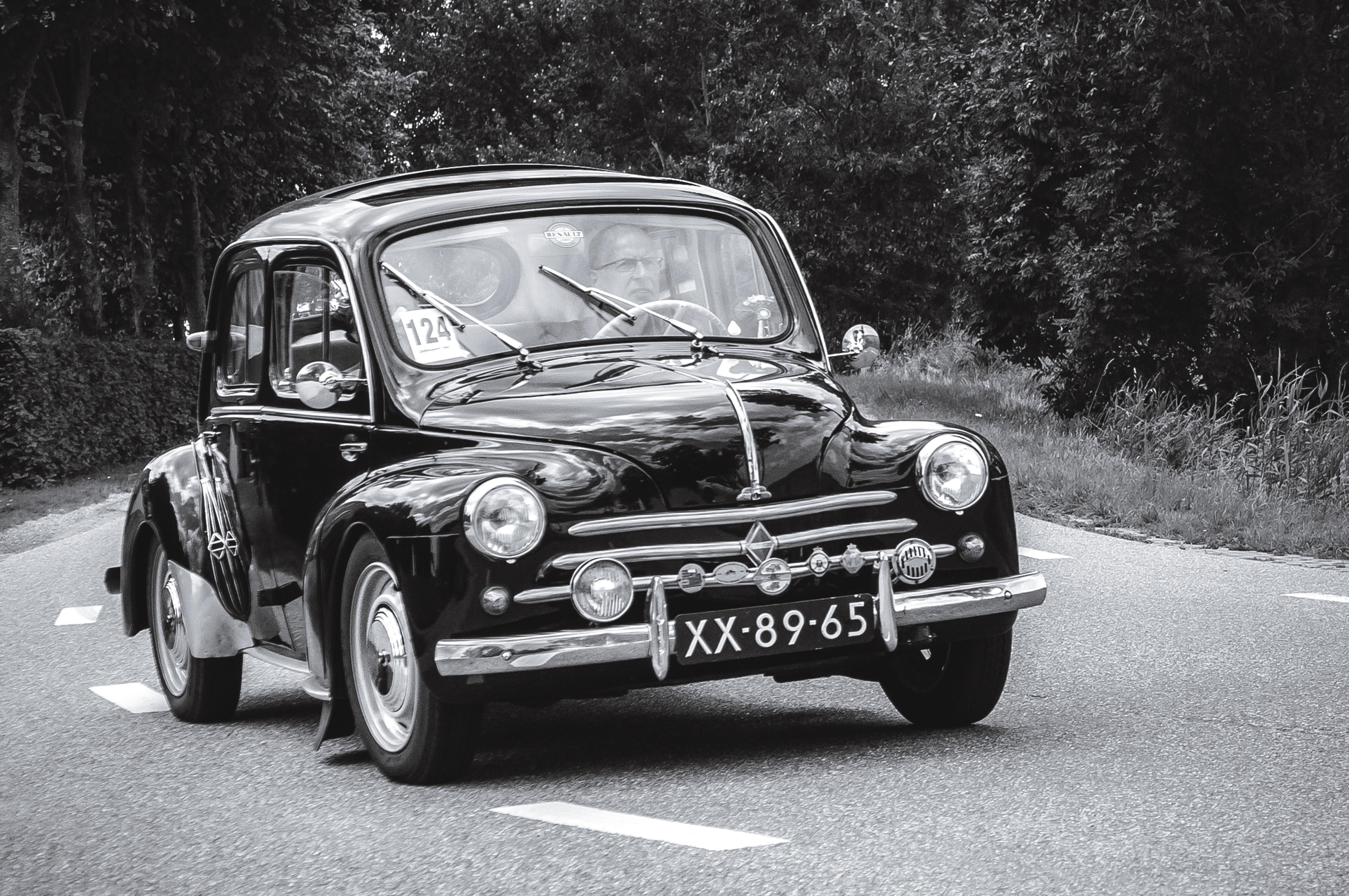 fond d u0026 39  u00e9cran   v u00e9hicule  u00e0 moteur  noir et blanc  renault