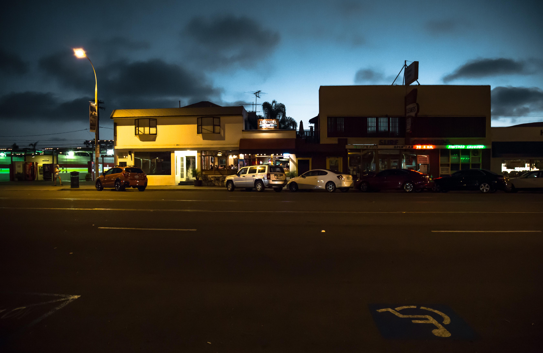 Обои cars, улица, дома, ночь, машины, свет. Города foto 17